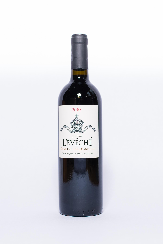 Chateau L'éveché Saint Emilion Grand Cru 2010    Producer:   Capdevielle & Ginter    Region:  Bordeaux  Grapes:  80% Merlot, 20% Cabernet Franc