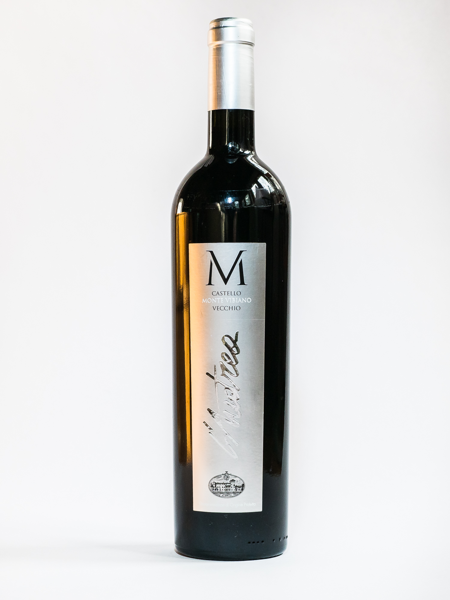 L'Andrea 2008    Producer:   Castello Monte Vibiano    Region:  Umbria  Grapes:  Sangiovese, Syrah, Cabernet Sauvignon, Cabernet Franc, Merlot  Characteristics:  A rich nose of bramble jelly to jelly pepper and notes of cocoa powder and coffee. A remarkably fresh flavor with a sweet finish.