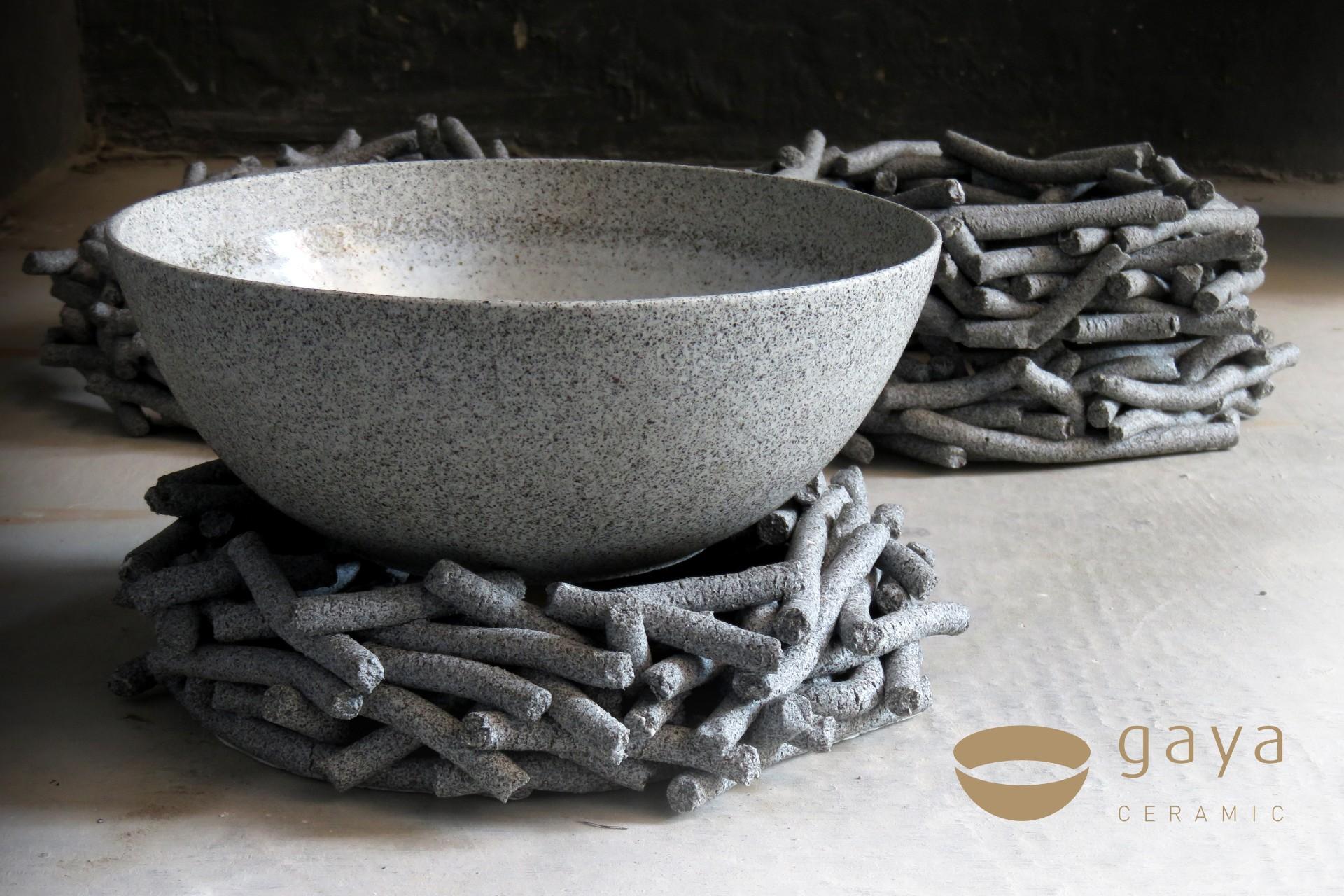 Gaya_Ceramic_logo_simple_bowl_holds.jpg