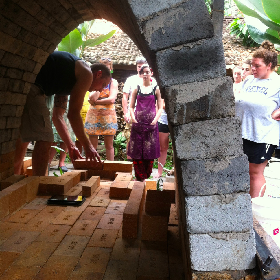 4-gaya-cac-workshops-instructors-kiln-build-brian-kakas.jpg