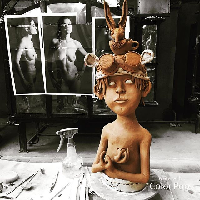 Interpretation and artistic style: it all comes together in this brilliant piece by formidable sculptor @fleurschell . #figurative #sculpture #workshop #interpretation #illustration in #clay #handbuilding #eatclaylove