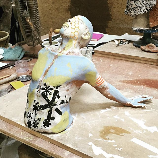 Body canvas: Taking the torso to a new level with paper transfer decals and bright splotches of underglaze color. Wow. #figurative #sculpture #workshop #torso #canvas #paint #pattern #wow #eatclaylove #clayeverydamnday #bali