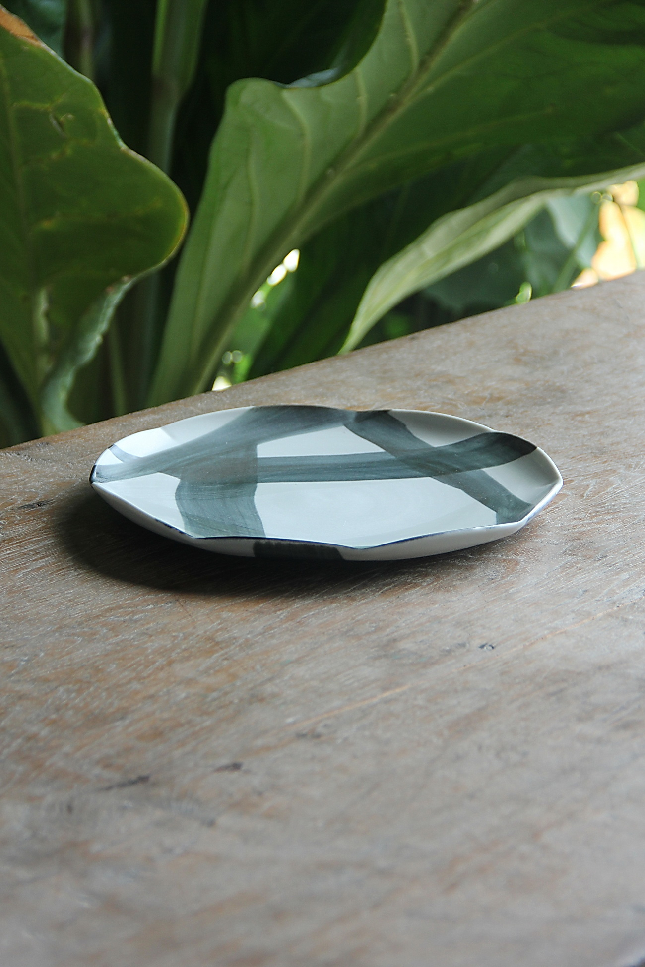 polygon appetizer plate quarter.JPG