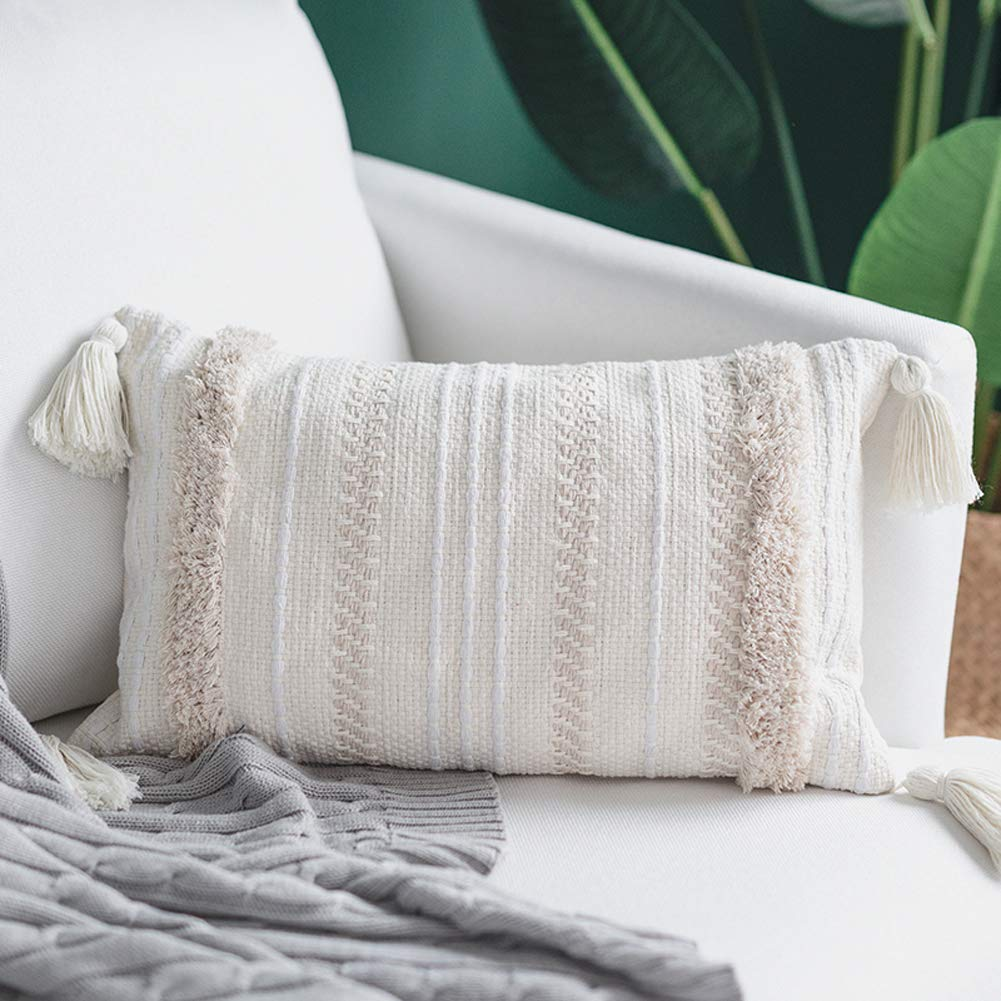 textured-tufted-pillow.jpg