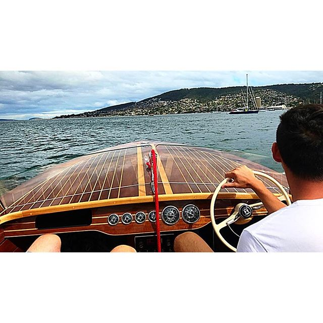 #woodenboat #woodenboatfestival #woodenboats #woodworking #classicwoodenboats #boatbuilding #awbf2017 #elionora