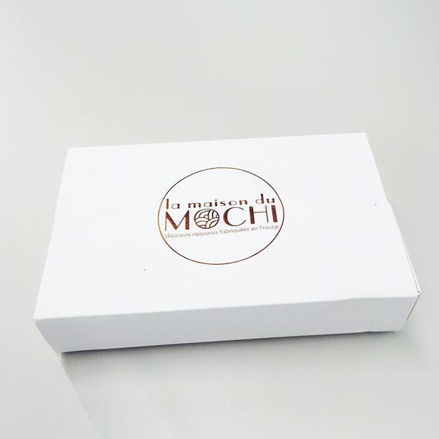 【mochi/La Maison du Mochi】 フランスのおもちをいただきました!  #きょうのもちもち #日本もちもち協会  #もちもちの日 #毎月10日はもちもちの日  #lamaisondumochi #france #🇫🇷 #paris #mochi