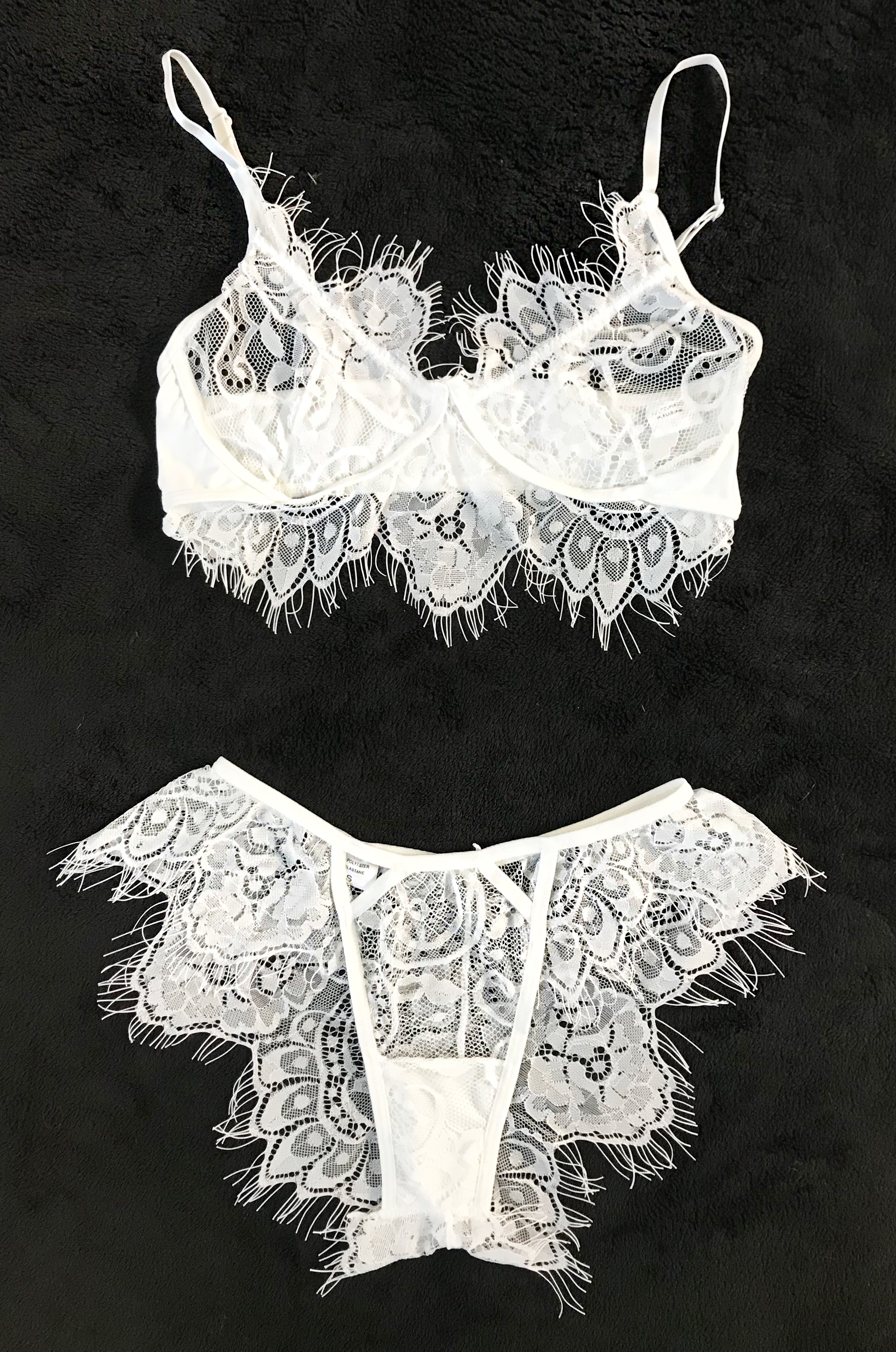 2 piece lace lingerie set - WHITESBra Type: WirelessPanty Type: Briefs$23