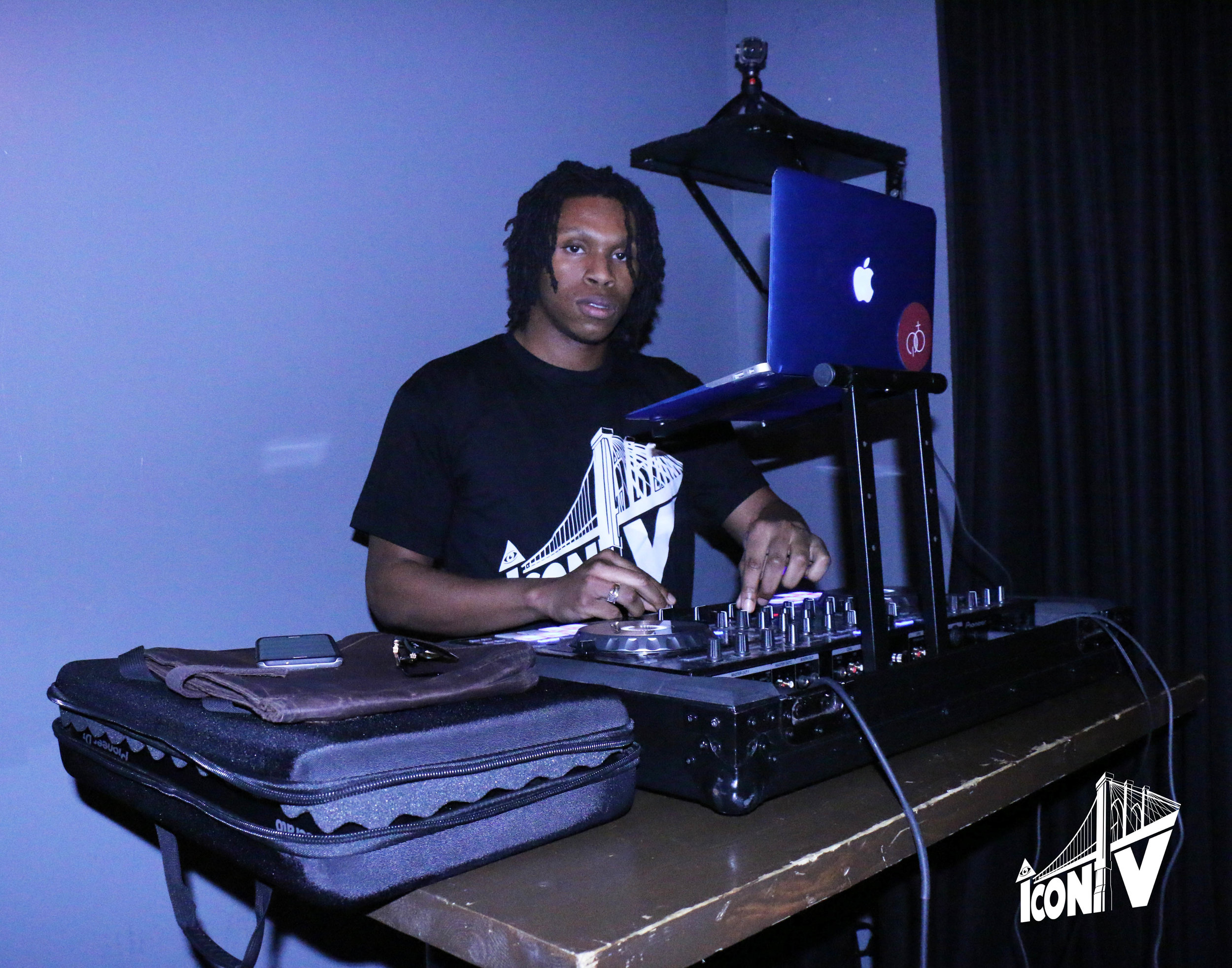 Flou DJ Iconic Saturdaze.jpg