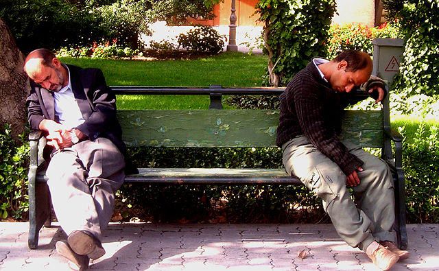 640px-Sleepy_men.JPG