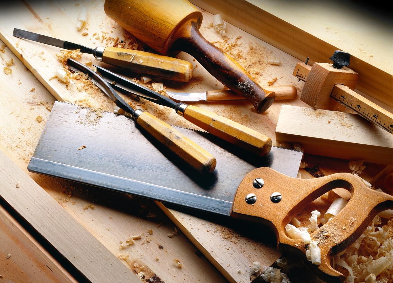 MaxPixel.freegreatpicture.com-Tools-Carpenter-Wood-2423826.jpg