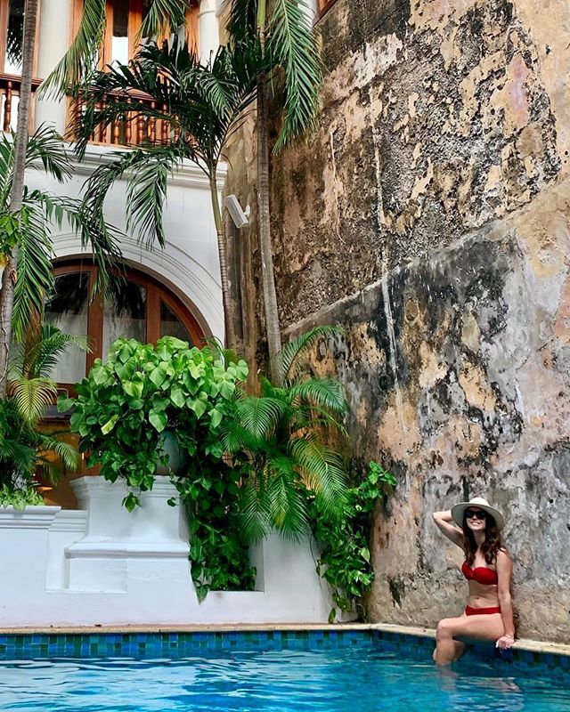 @casasanagustin is a heavenly oasis in the bustling Centro neighborhood. The stylish hotel blends the colonial past with Cartagena's contemporary energy. 💃🏼
