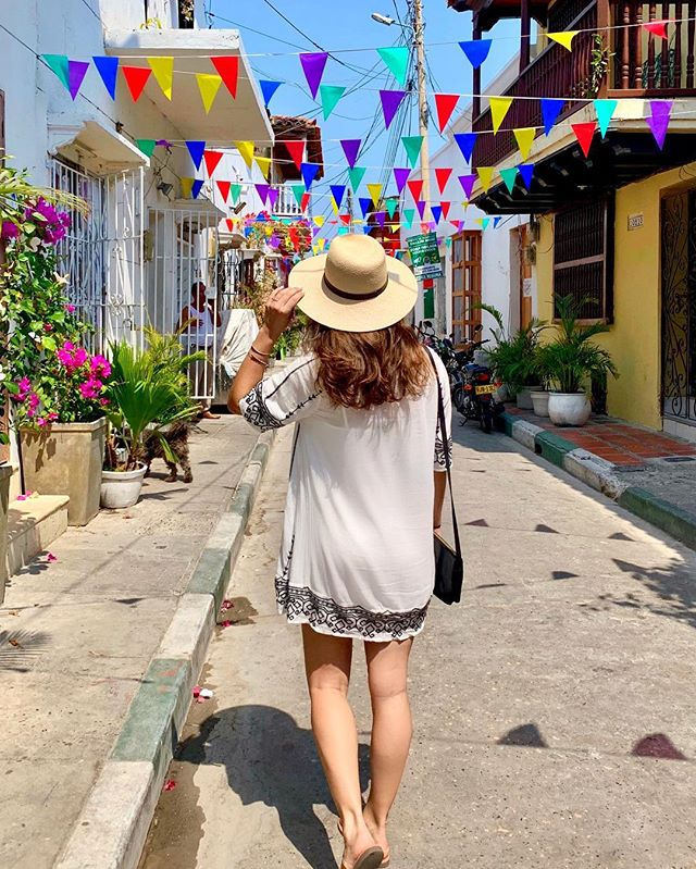 Colombians are vibrant, creative and impressive story-tellers. I love the way they embrace life and take such pride in sharing their culture with visitors. 🇨🇴 It's time to move Cartagena towards the top of your bucket list, if it's not there already. 😉