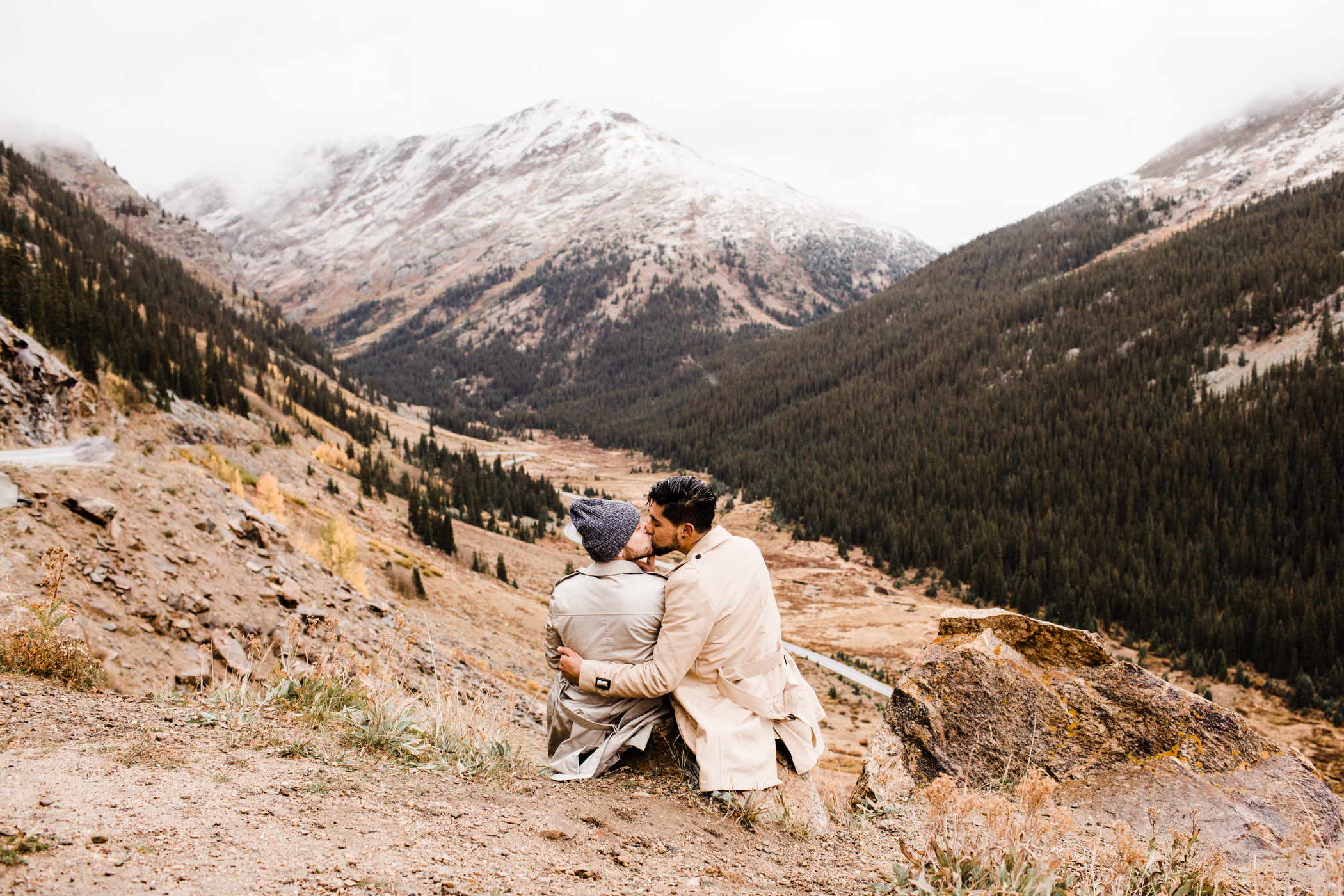 Independence Pass Rocky Mountain elopements | Top wedding photographers in Aspen