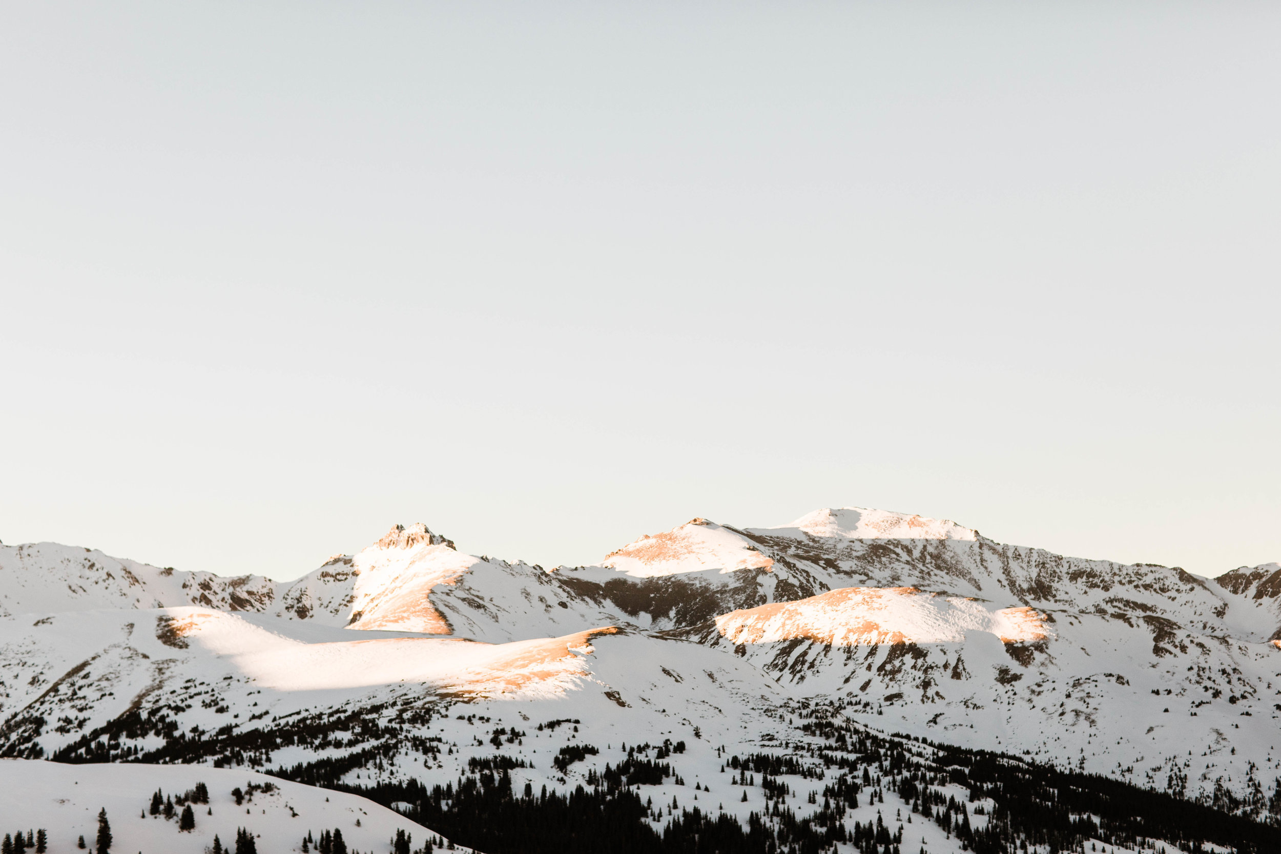 Snow covered Rocky Mountains | Colorado Elopement Photography