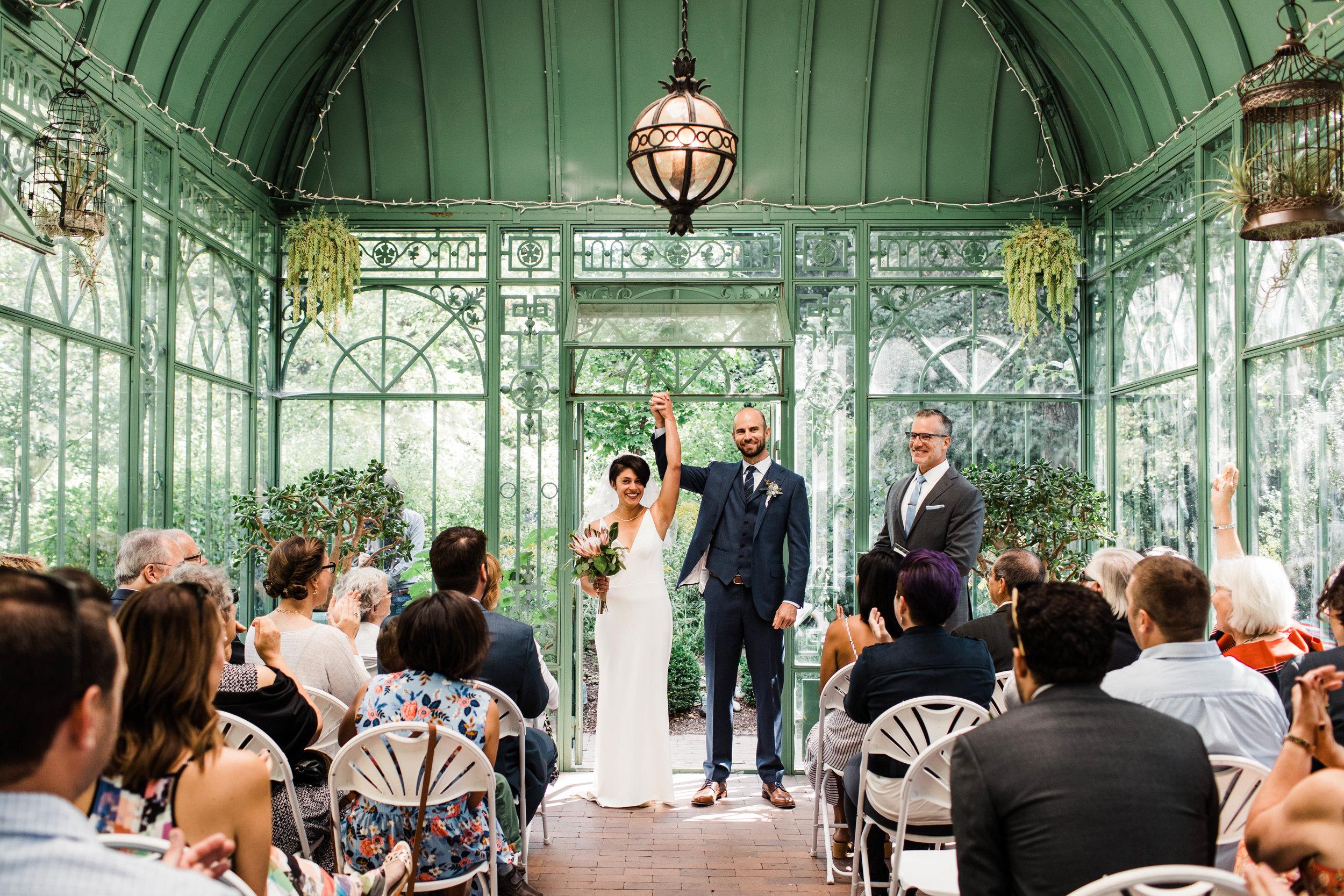 Intimate wedding at the Denver Botanic Gardens | Best Colorado wedding photographers