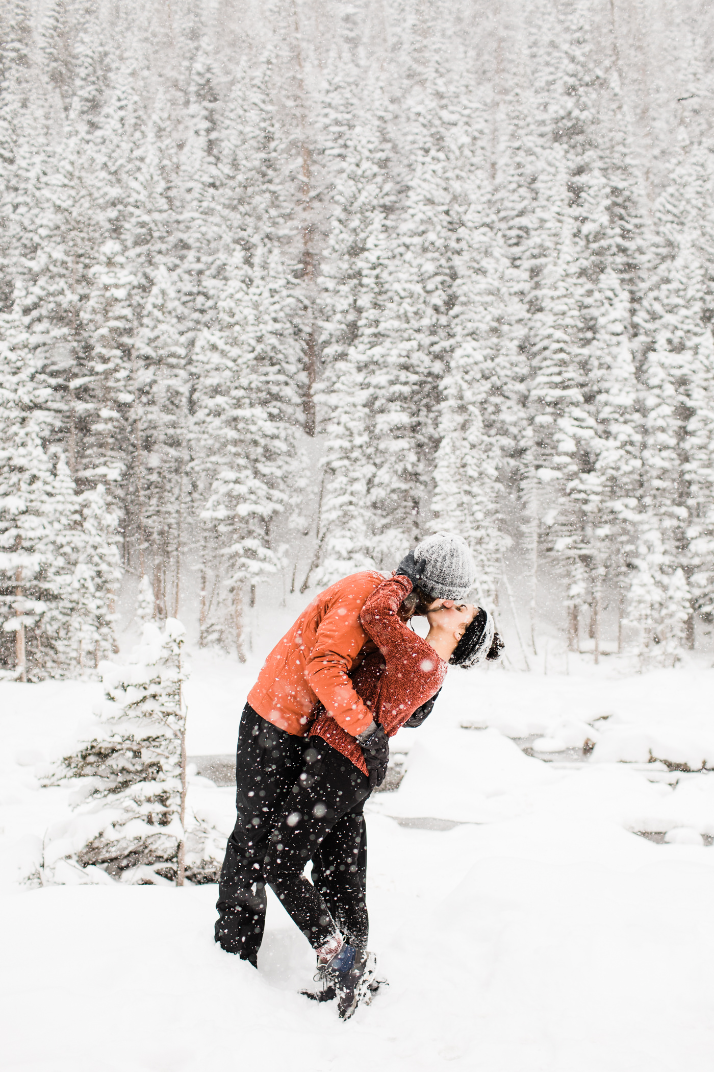 Estes Park engagement session in the snow | wedding photographers in Fort Collins