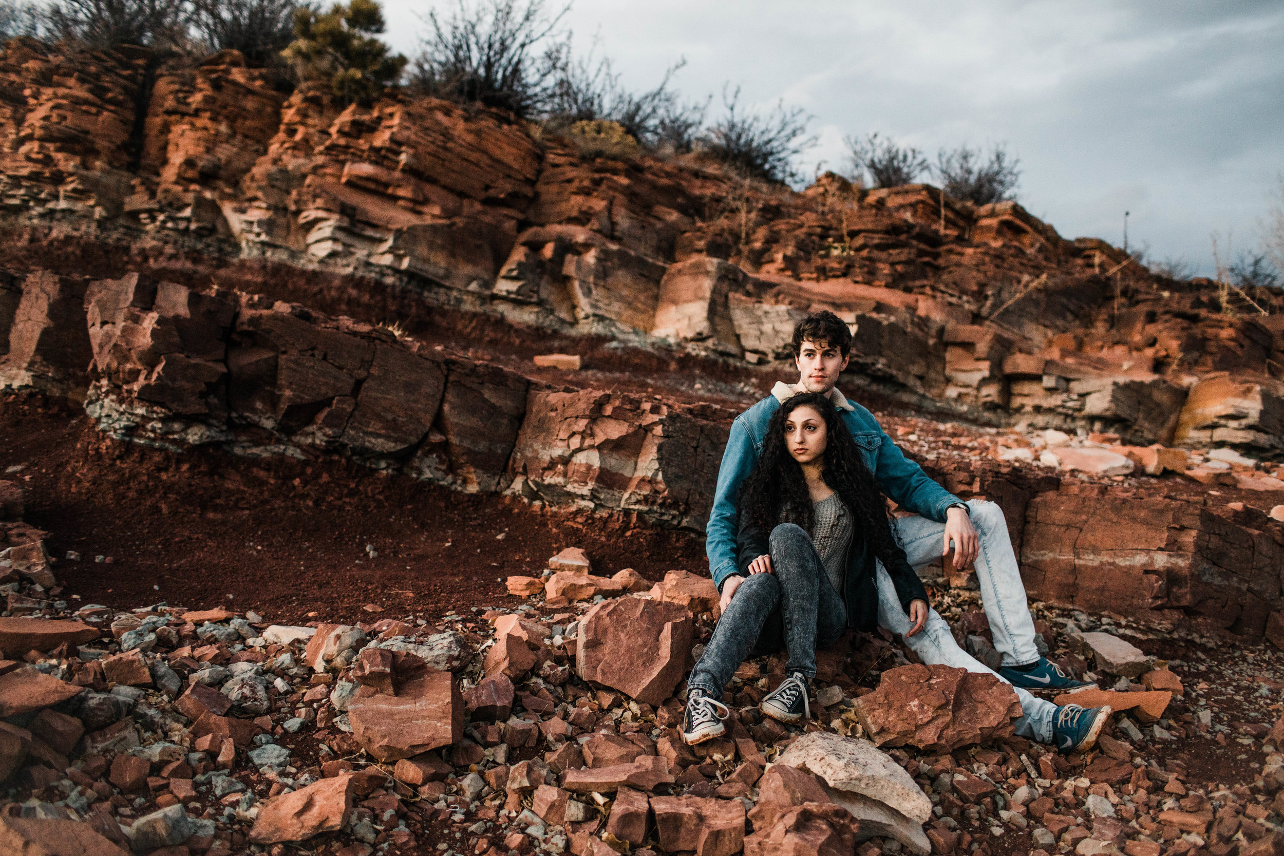 Rock wall couples photos in the Front Range of northern Colorado | Fort Collins wedding photographers