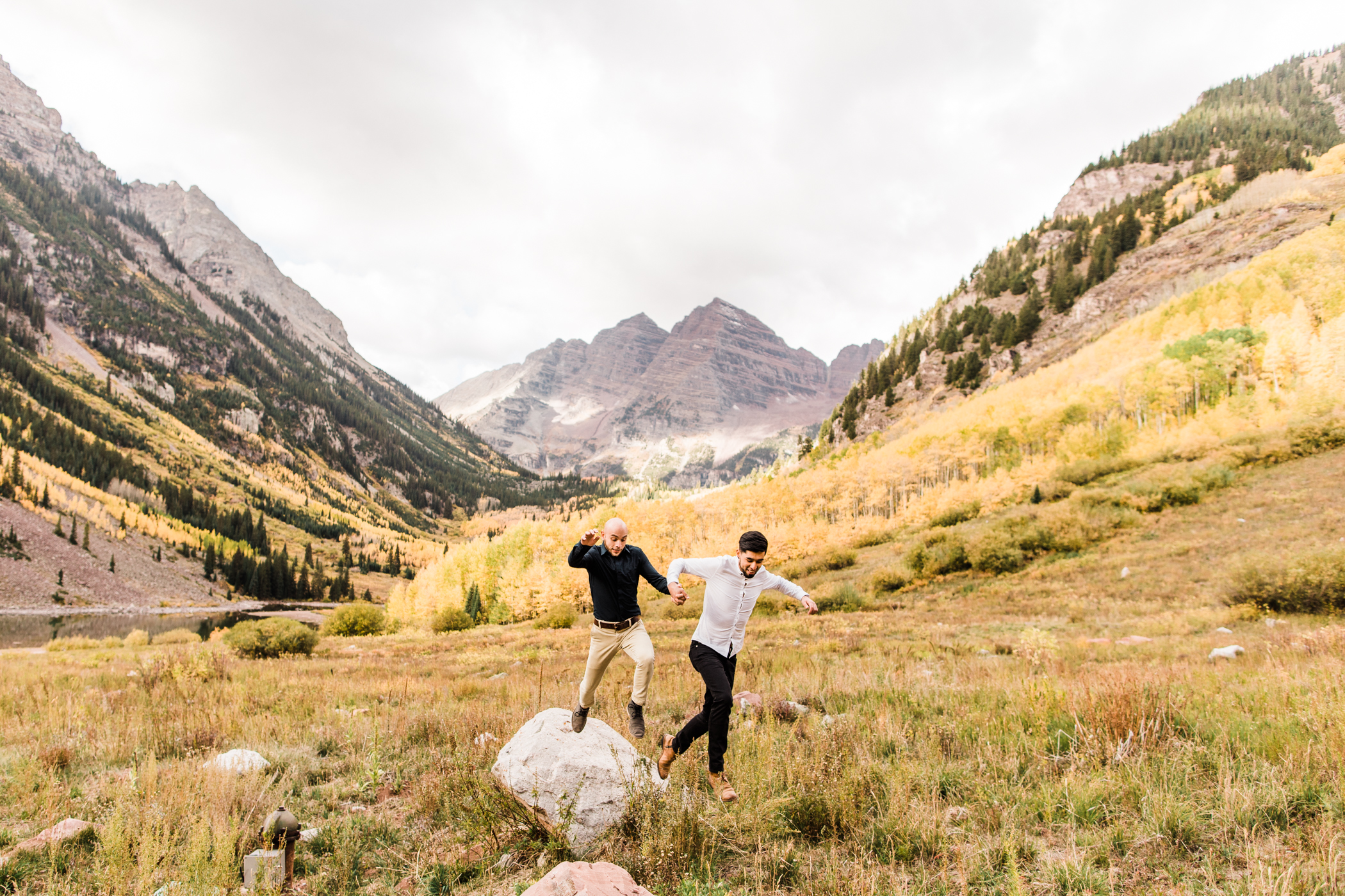 Maroon Bells Elopement in Aspen Colorado | Colorado Adventure Weddings