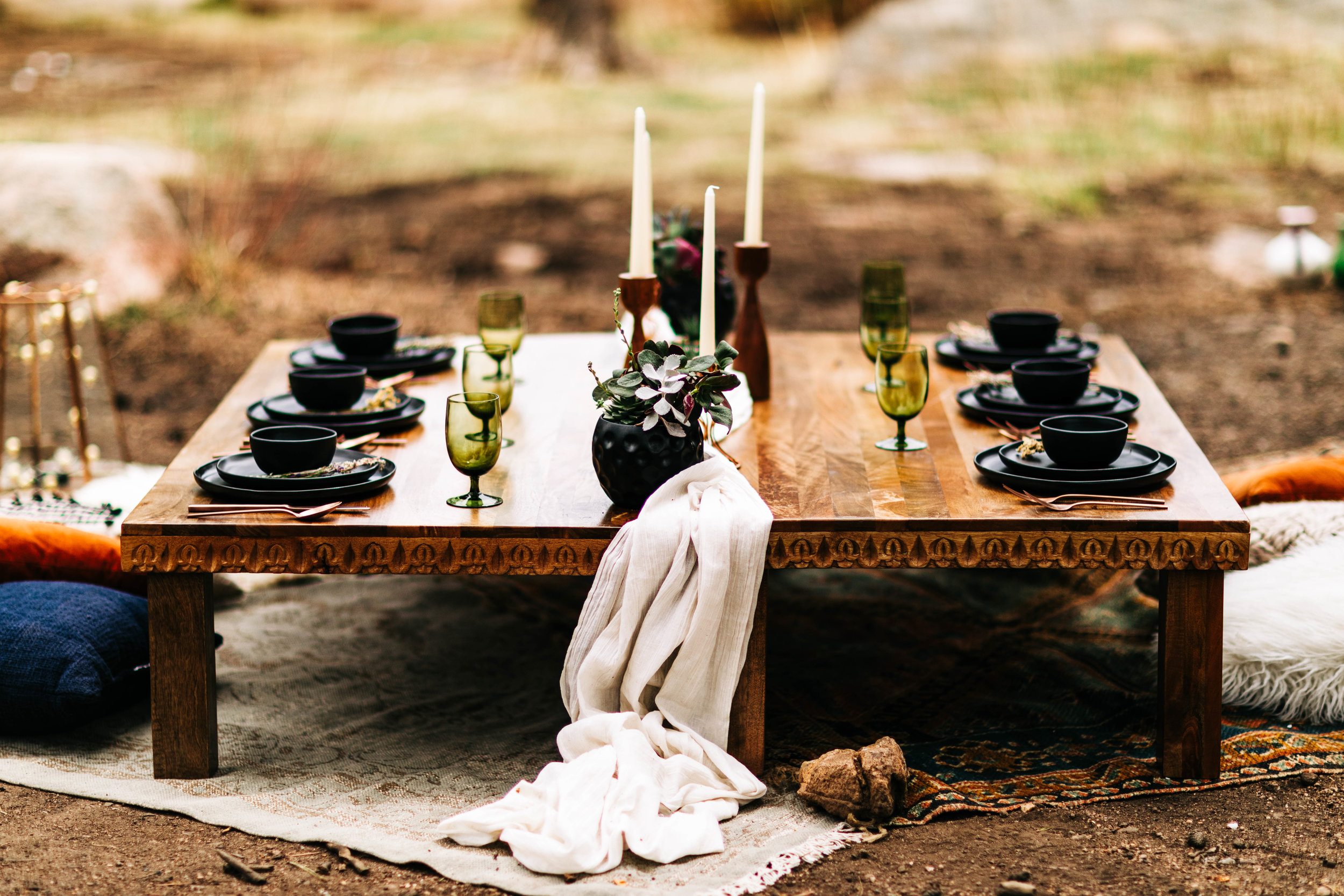 cute tablescape for a mountain wedding | best Rocky Mountain intimate wedding photographers