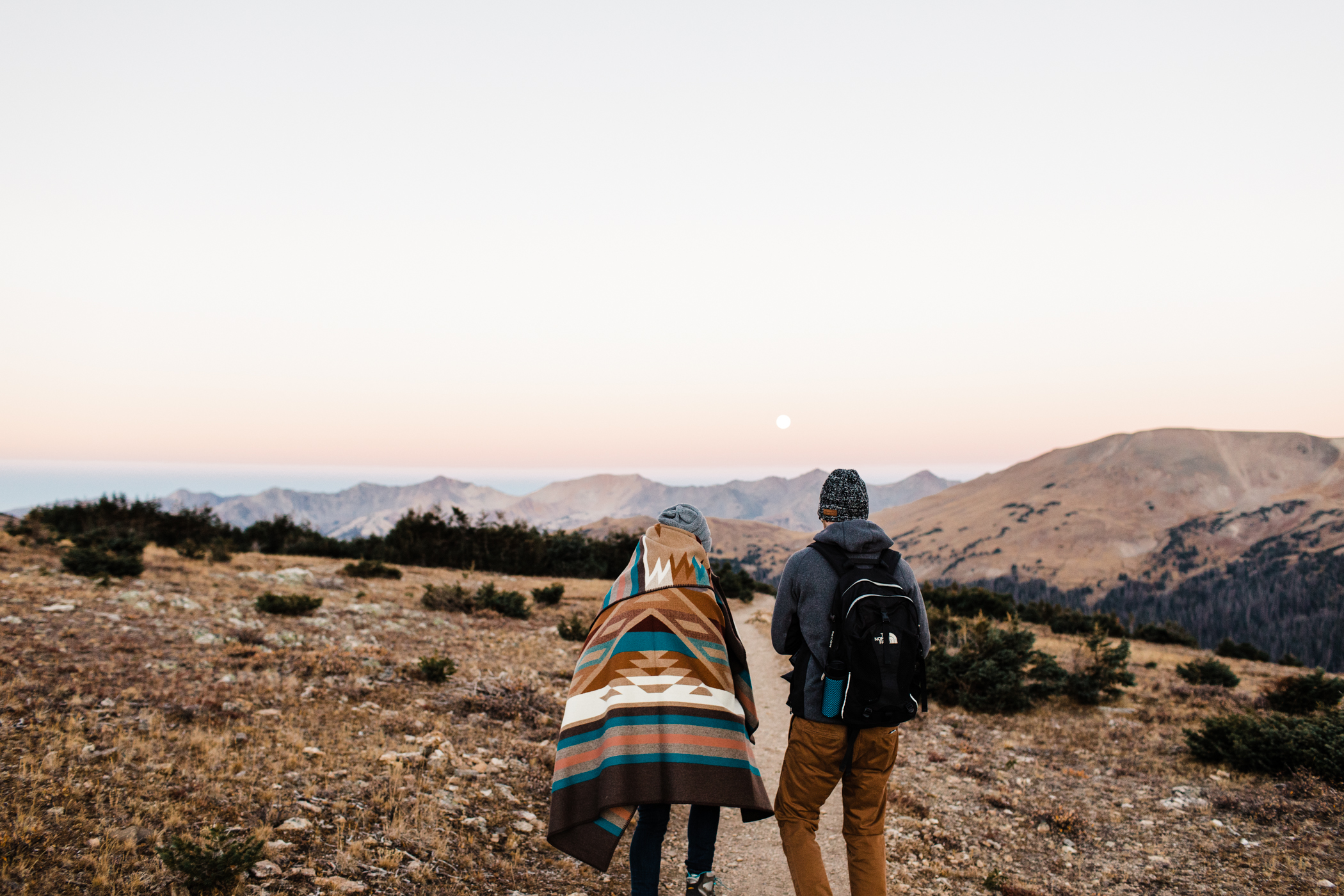 hiking adventure couples photos | Rocky Mountain engagement session