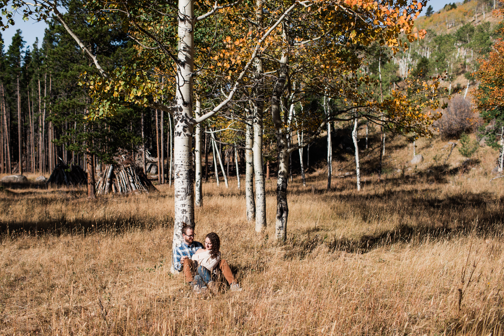 engagement photos in the fall in Colorado | Rocky Mountain National Park elopement photographers