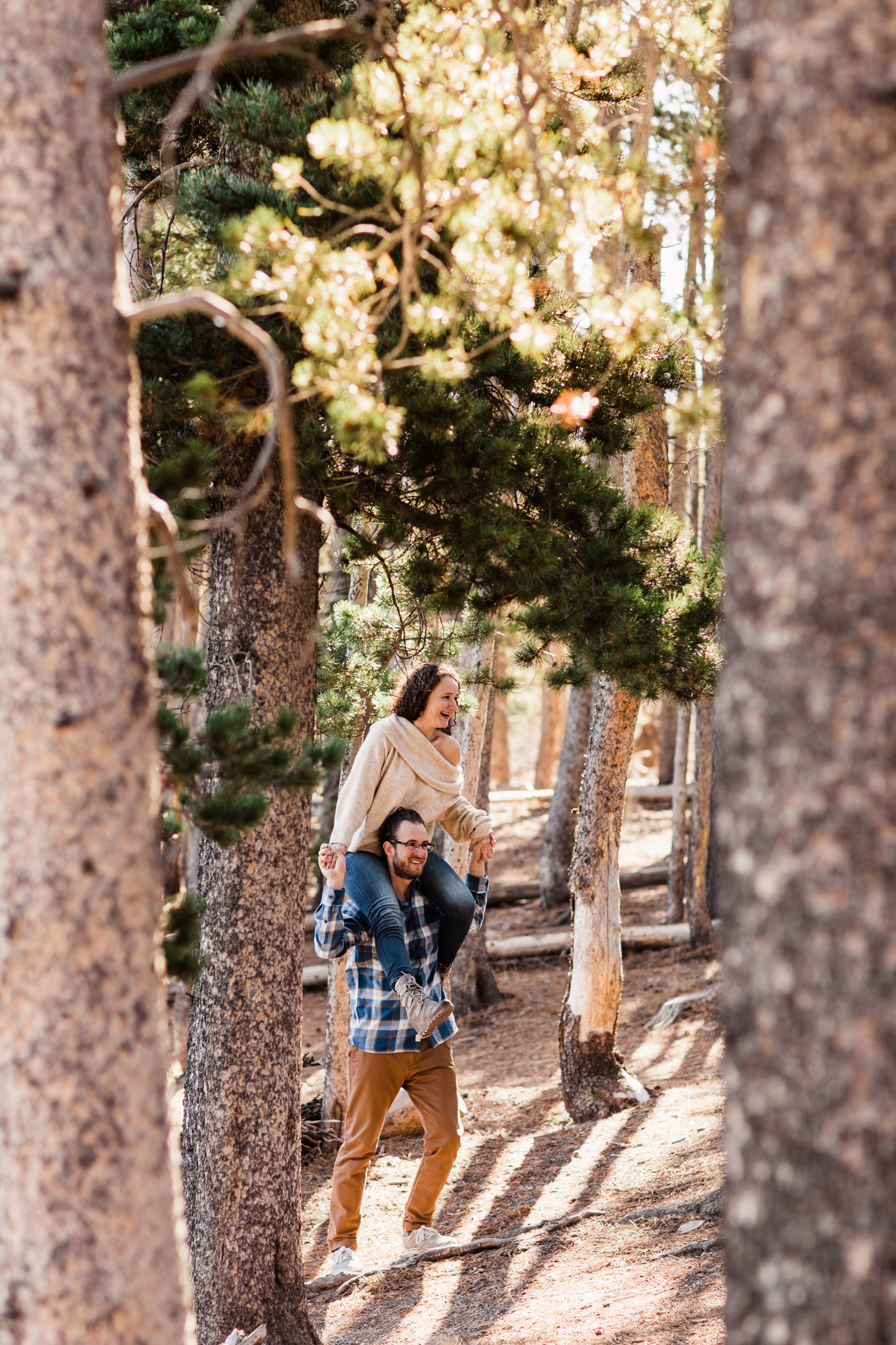 sunrise engagement session near Sprague Lake in Rocky Mountain National Park | mountain elopement photographers based in Colorado