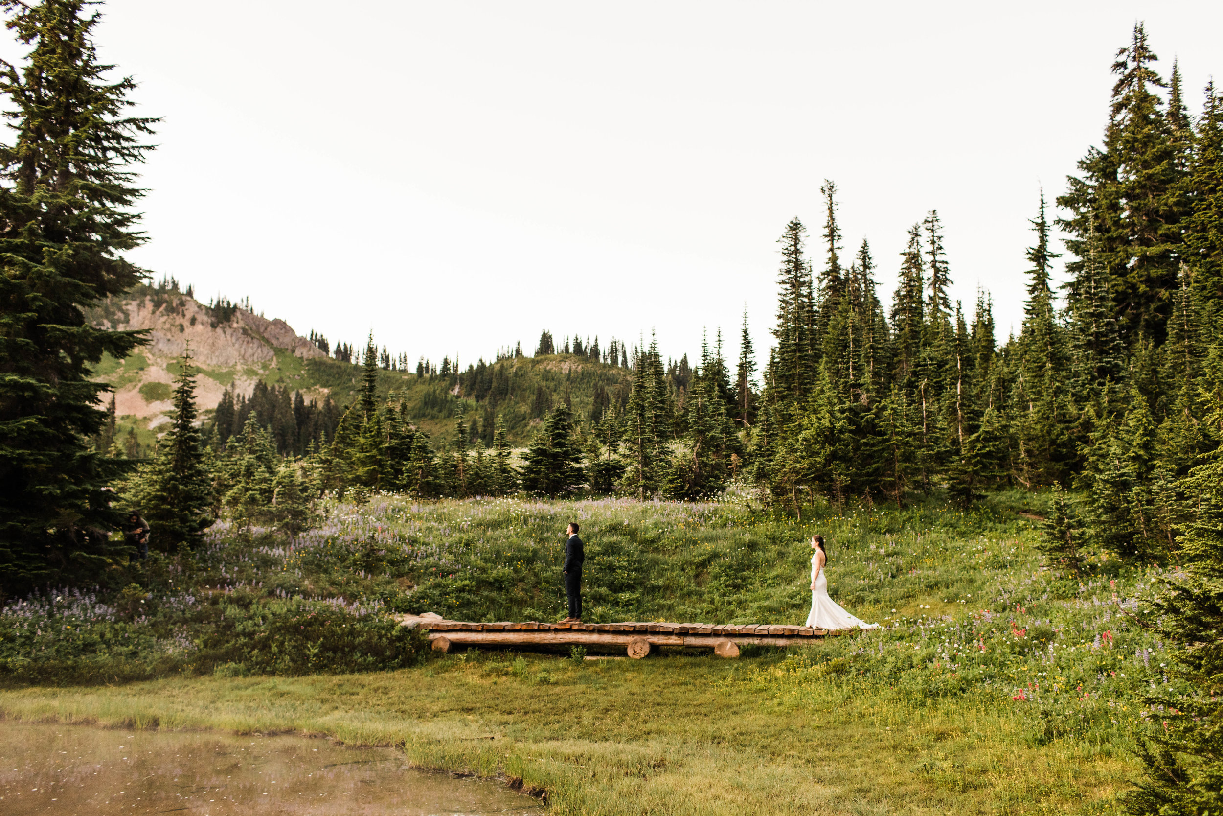 elopement first look in Mount Rainier National Park | Washington state elopement photographers