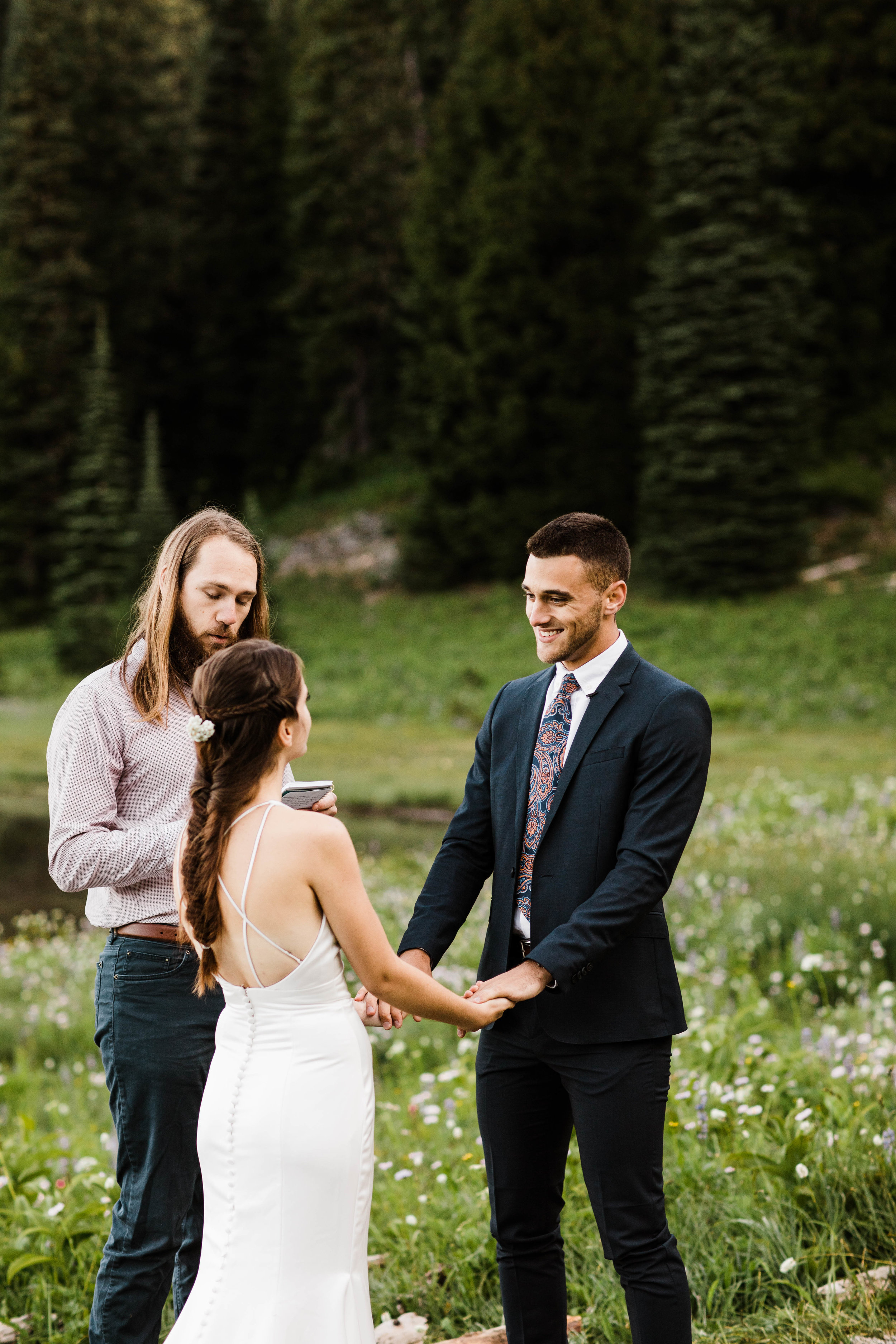 Mount Rainier National Park elopement ceremony in the mountains | Washington state adventure wedding photographers