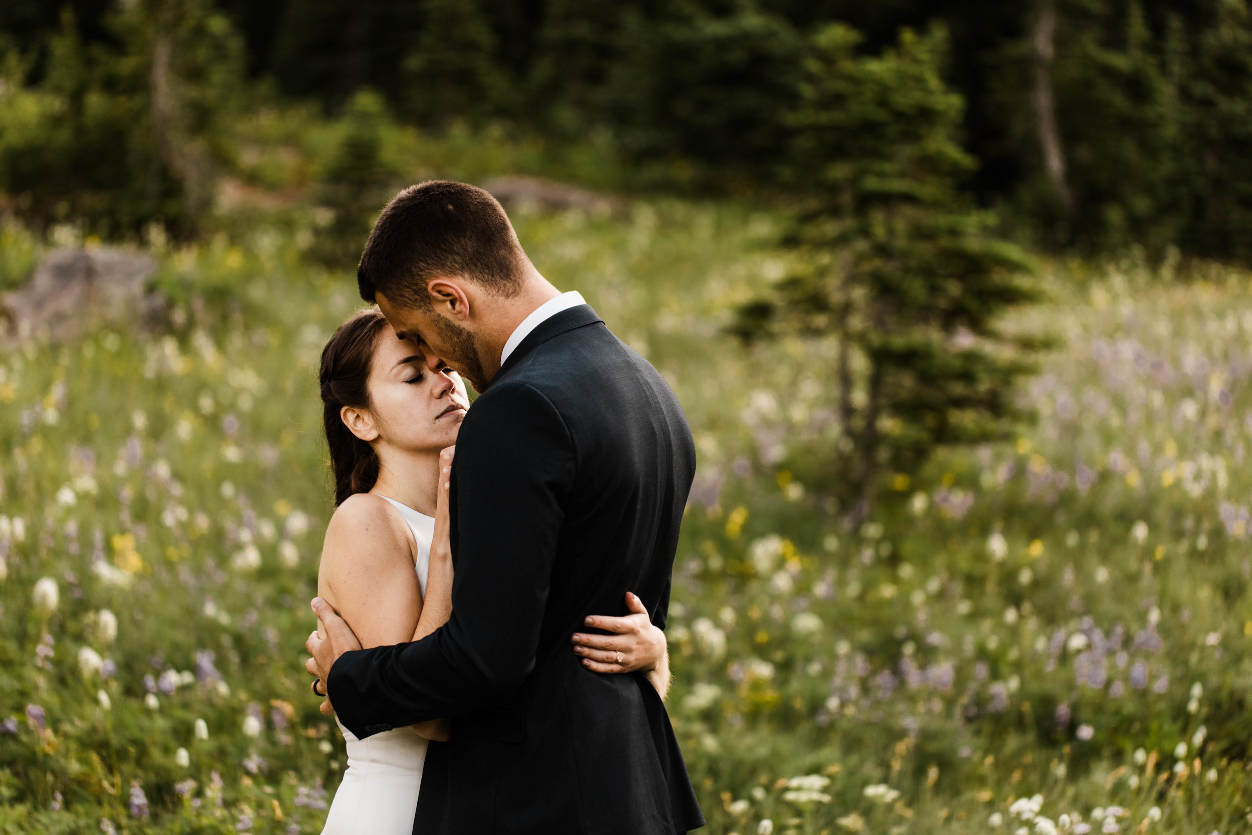 alpine meadow elopement photos in Mount Rainier | national park adventure elopement photographers in Washington state