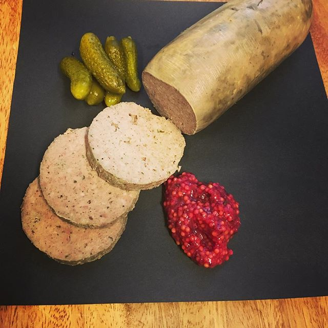 This week at BonTon we are bringing out the offal. How about some liverwurst made from all dawson sourced ingredients from the pork , the liver, the onions and the seasoning. @lastrawranch and @Kokopellie