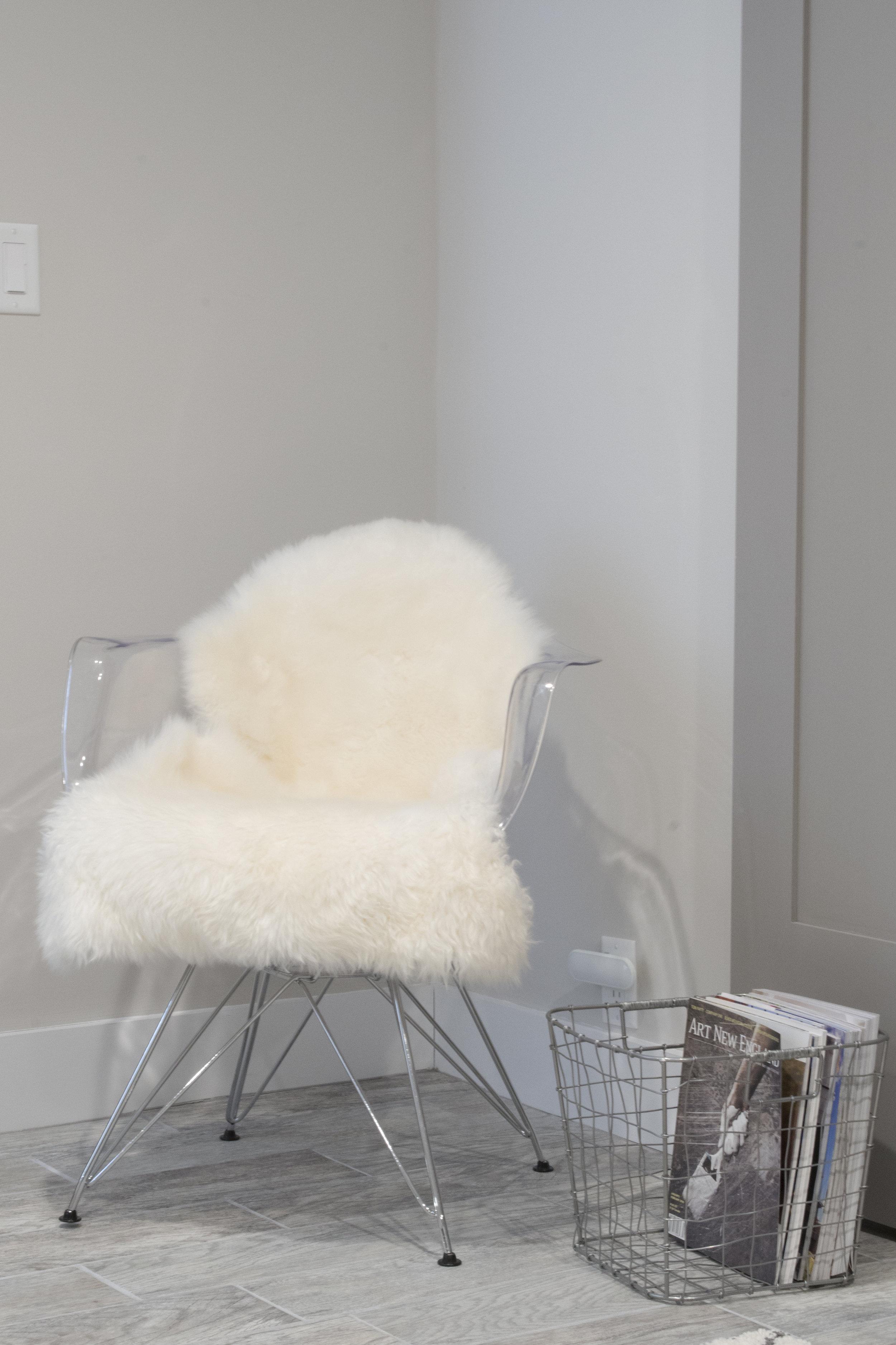 B_chair_on_grey_wall.jpg