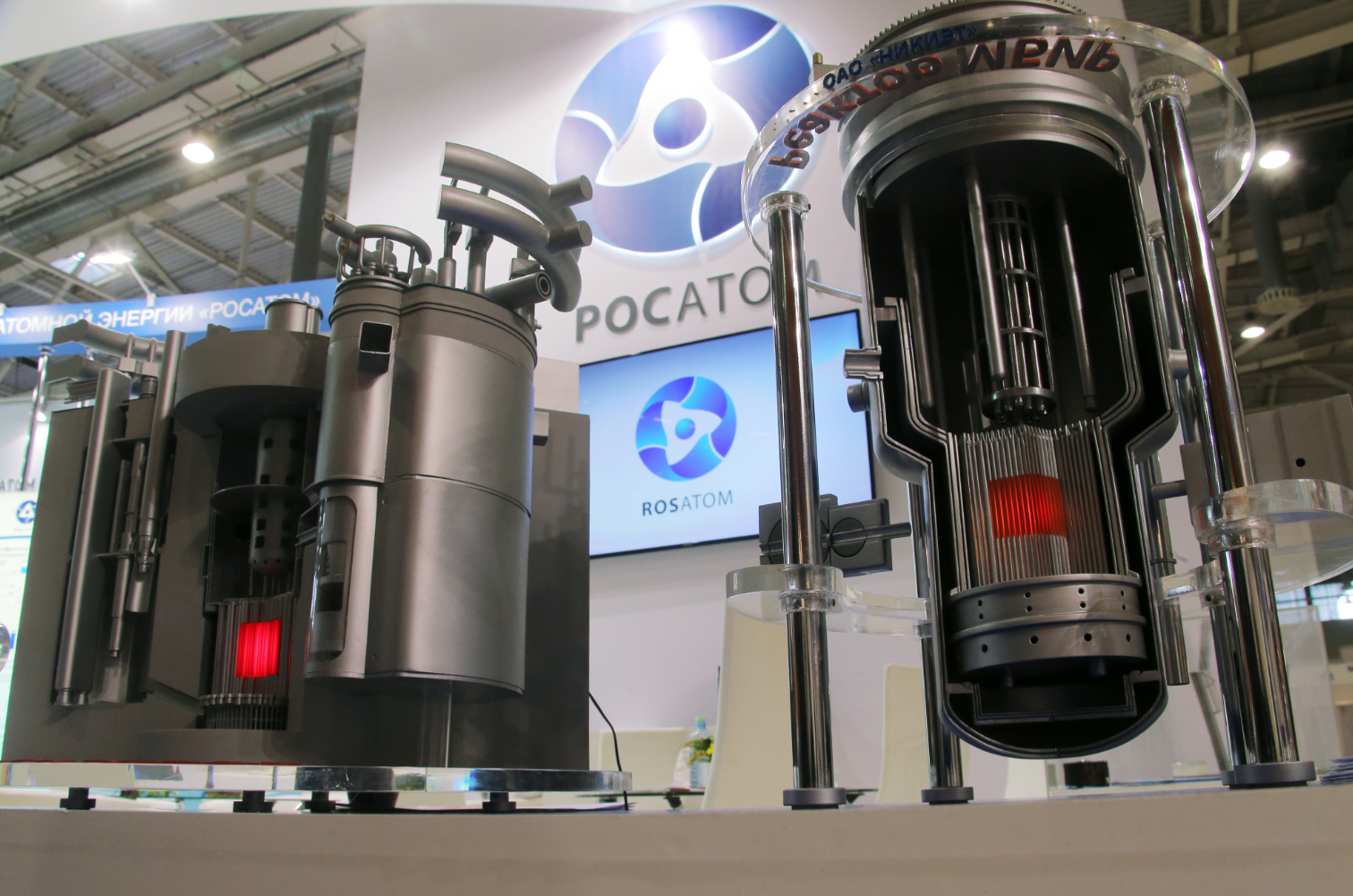 Models of BREST and MBIR fast neutron reactors on display in 2015.