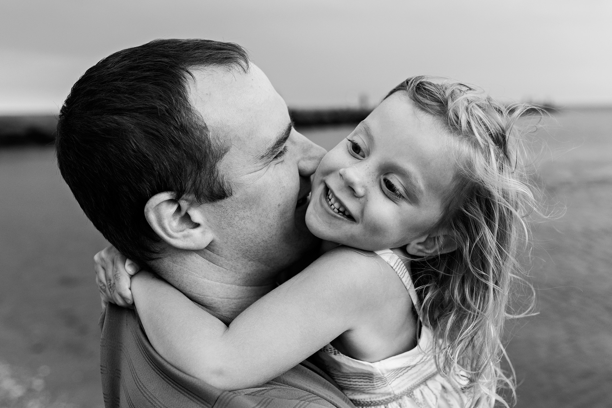 daughter hugging dad connecticut family photographer