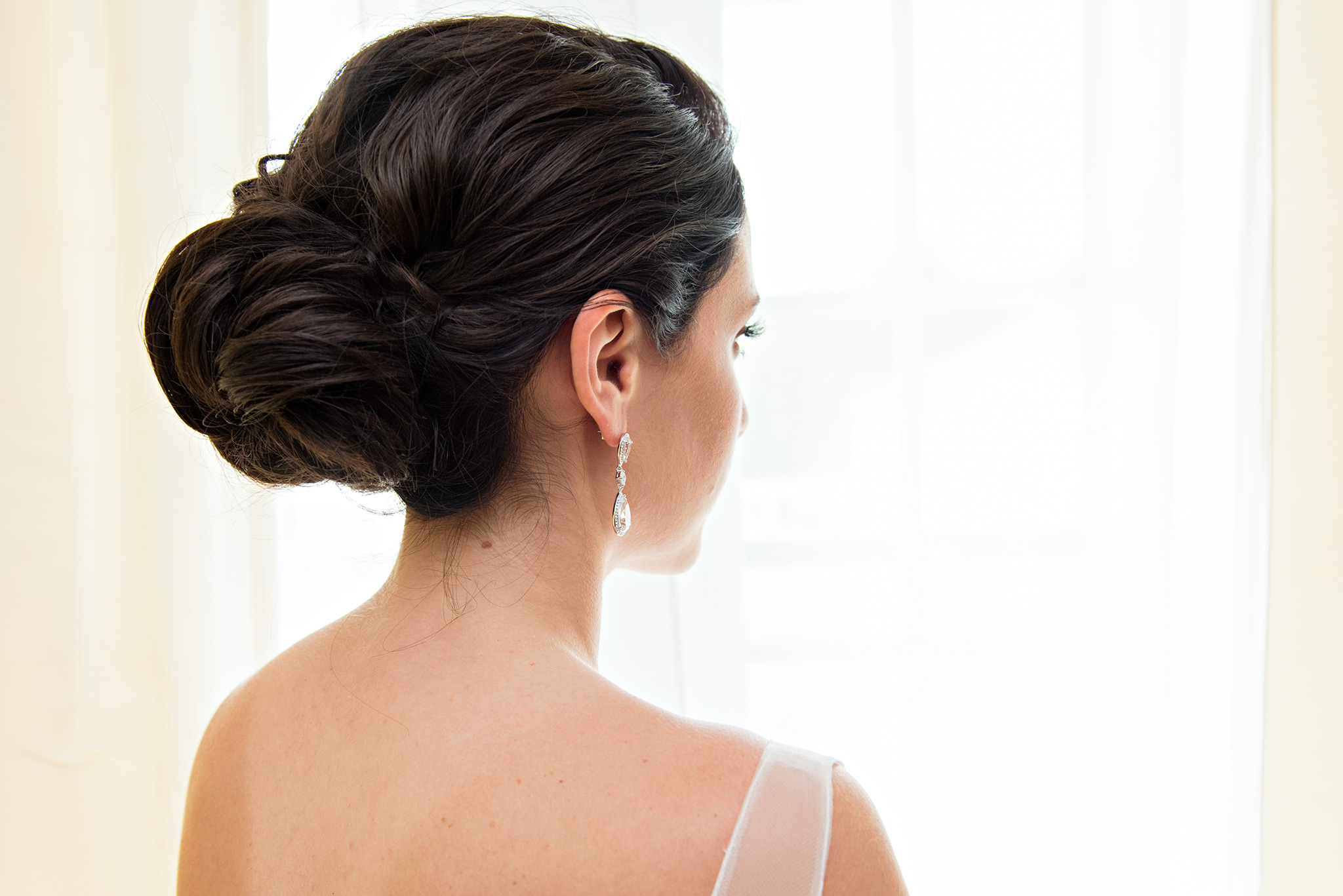 ct wedding photography. connecticut wedding photographer. wedding hair up do.