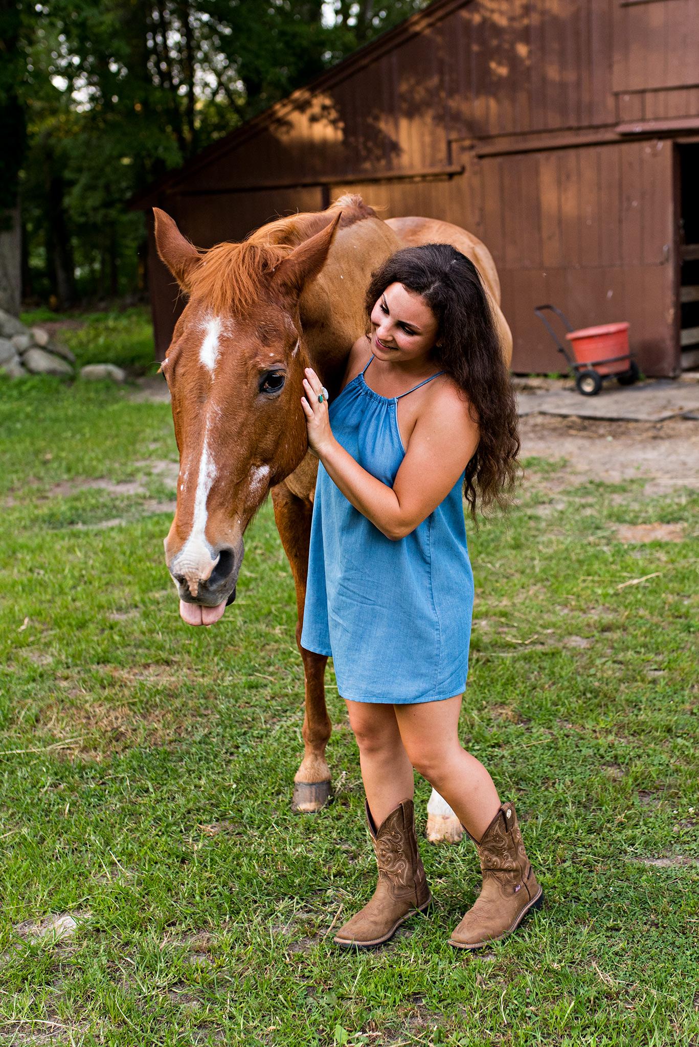 connecticut high school senior portrait photography with a horse on a farm