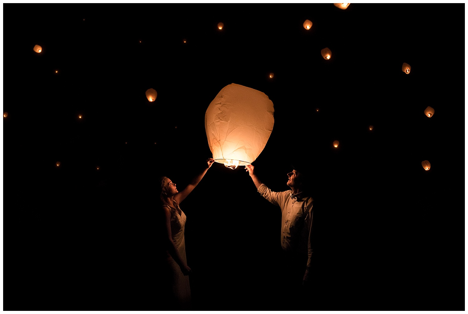 connecticut bride and groom with paper lantern. ct wedding photographer