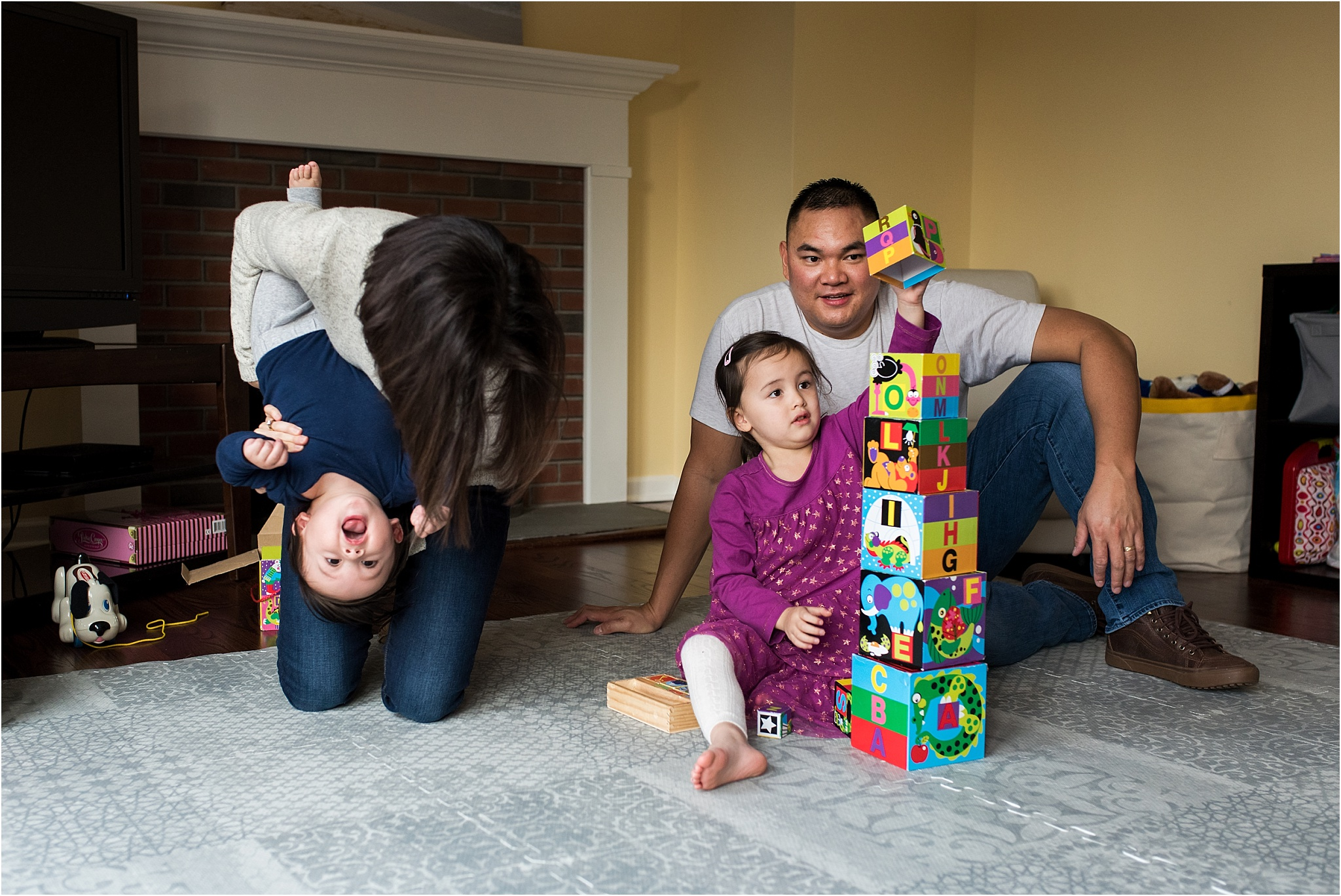 ct baby and family photographer in living room of in home photography