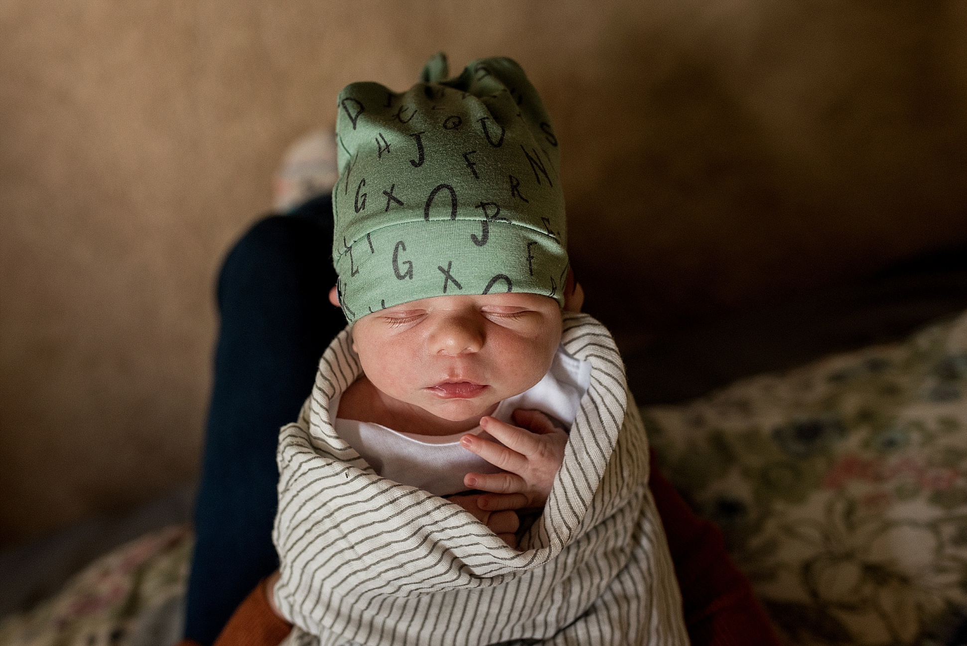candid unposed newborn photographer in central connecticut