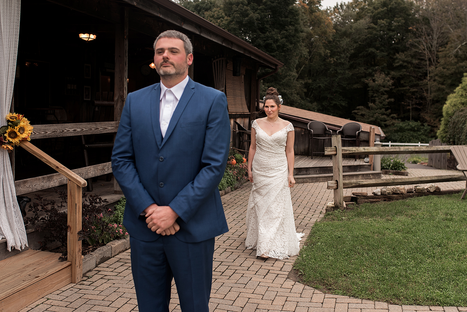 first look at wood acres farm wedding