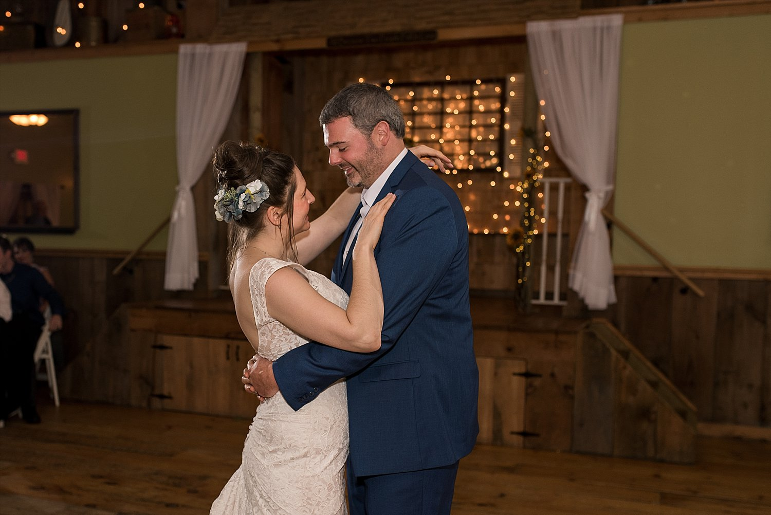 ct wedding photographer. bride and groom first dance.