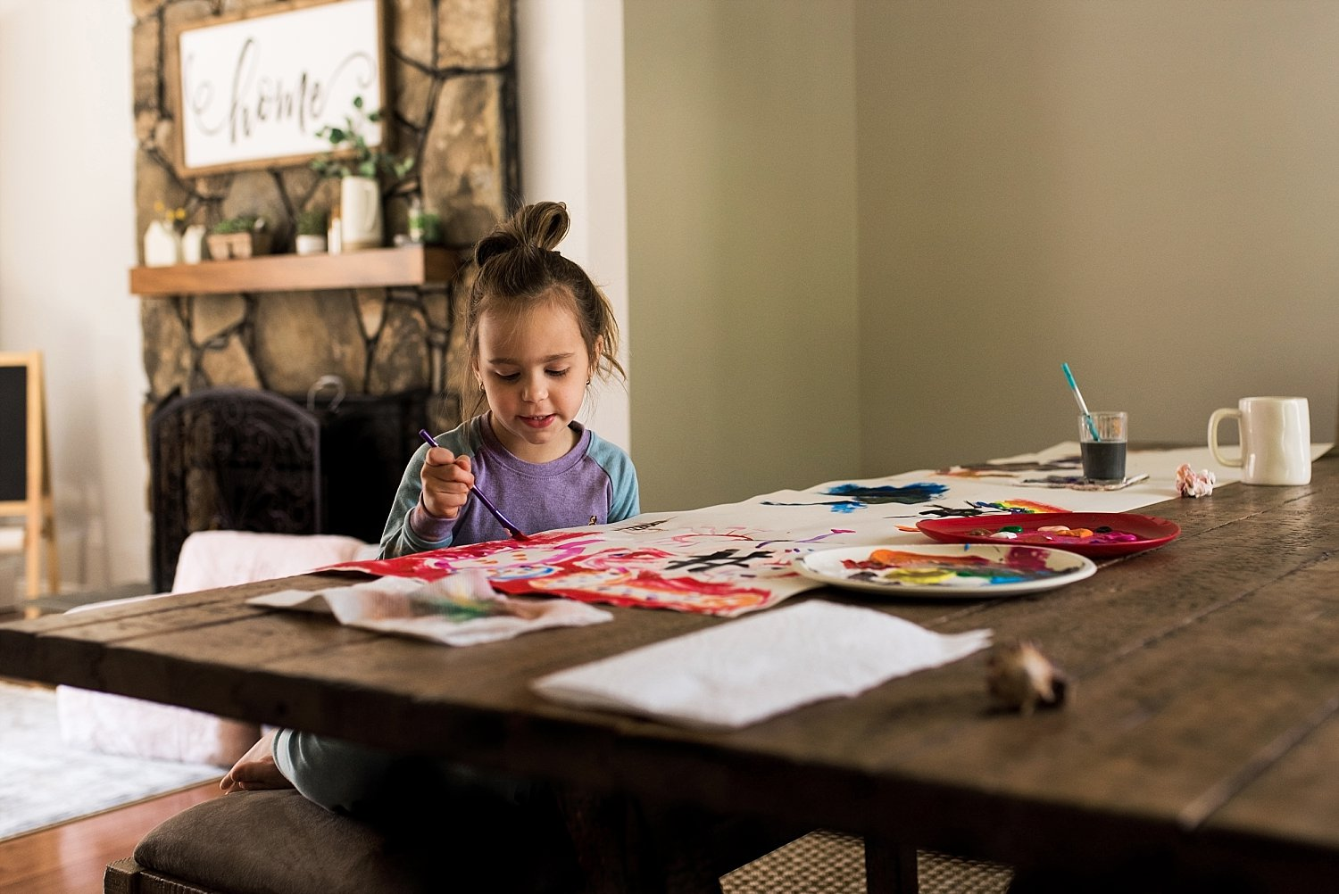 girl painting during CT lifestyle family photography