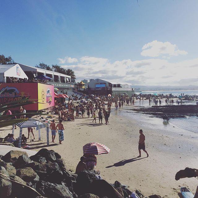 #redbullairborne #quiksilverpro2019 #wsl #goldcoast #beach #surfing #nexostm