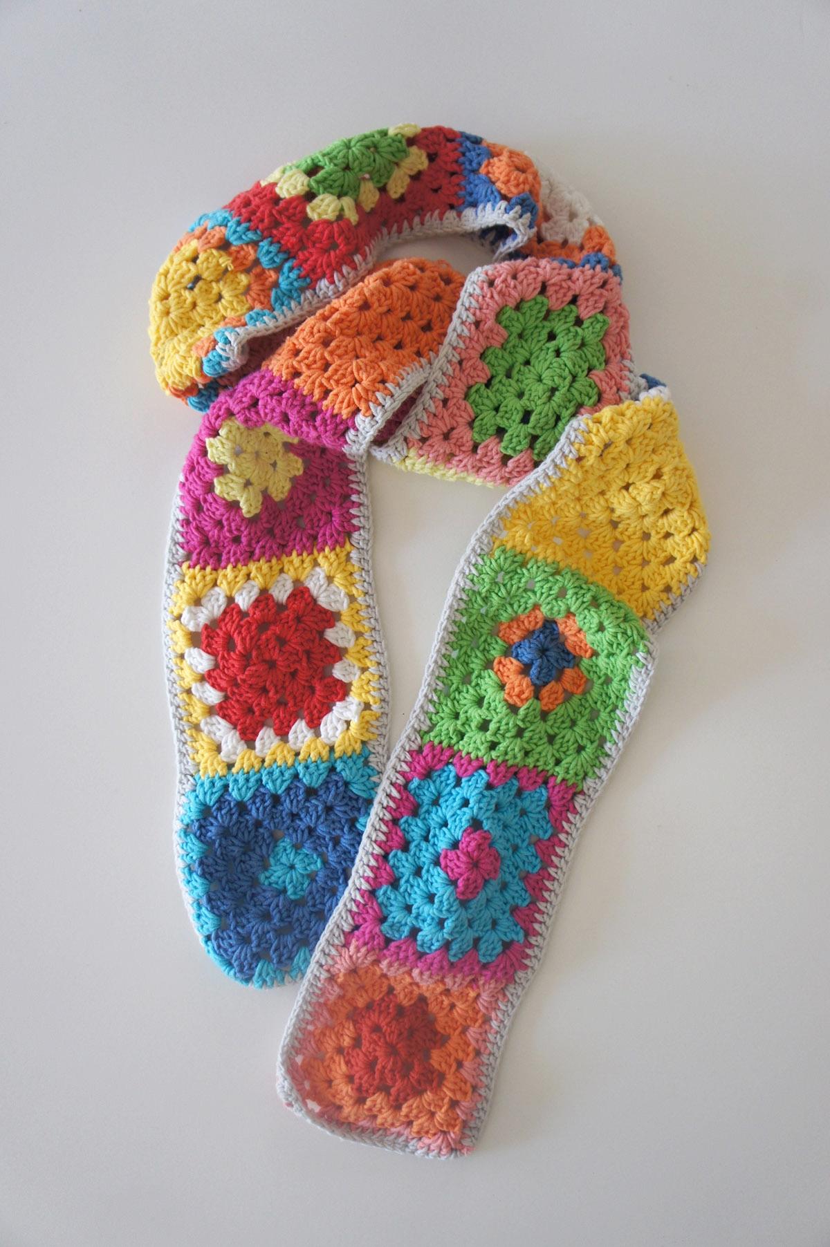 •granny scarf.jpg