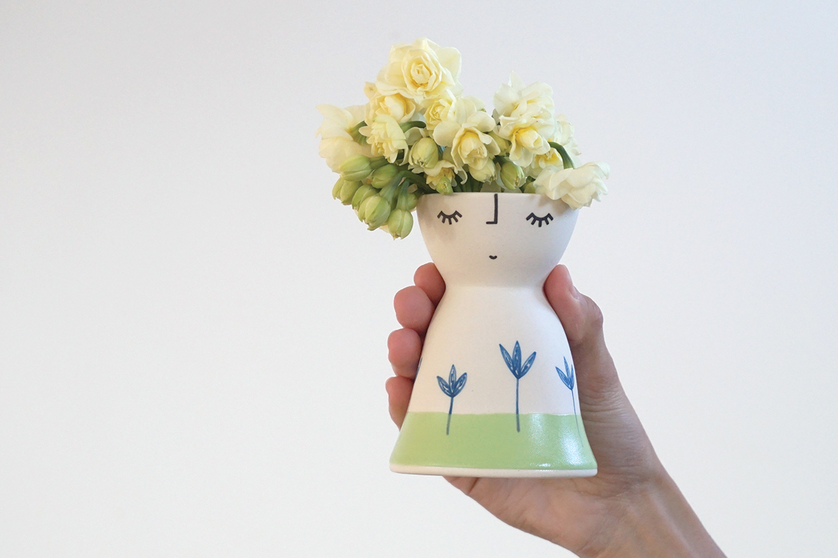 Little Miss Seedlings Vase Peep