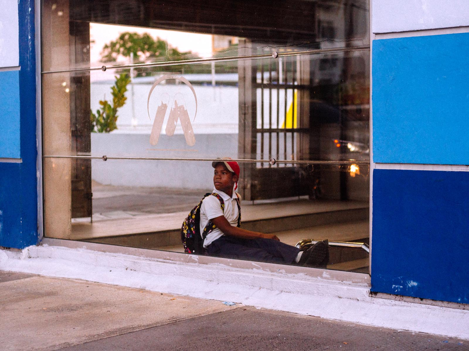 Travel street photography: Santo Domingo.