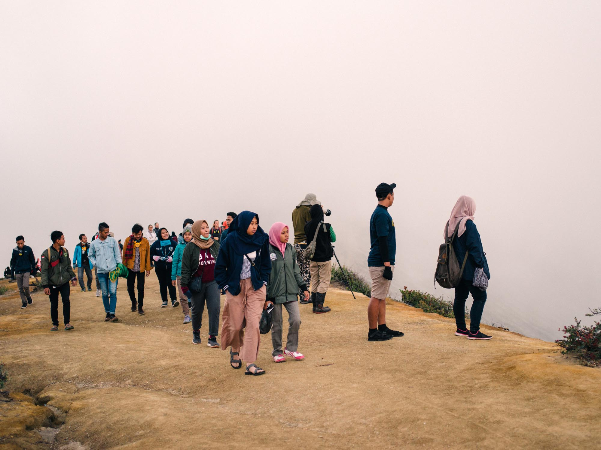 hike-to-ijen-volcano-crater-tourists-02.jpg