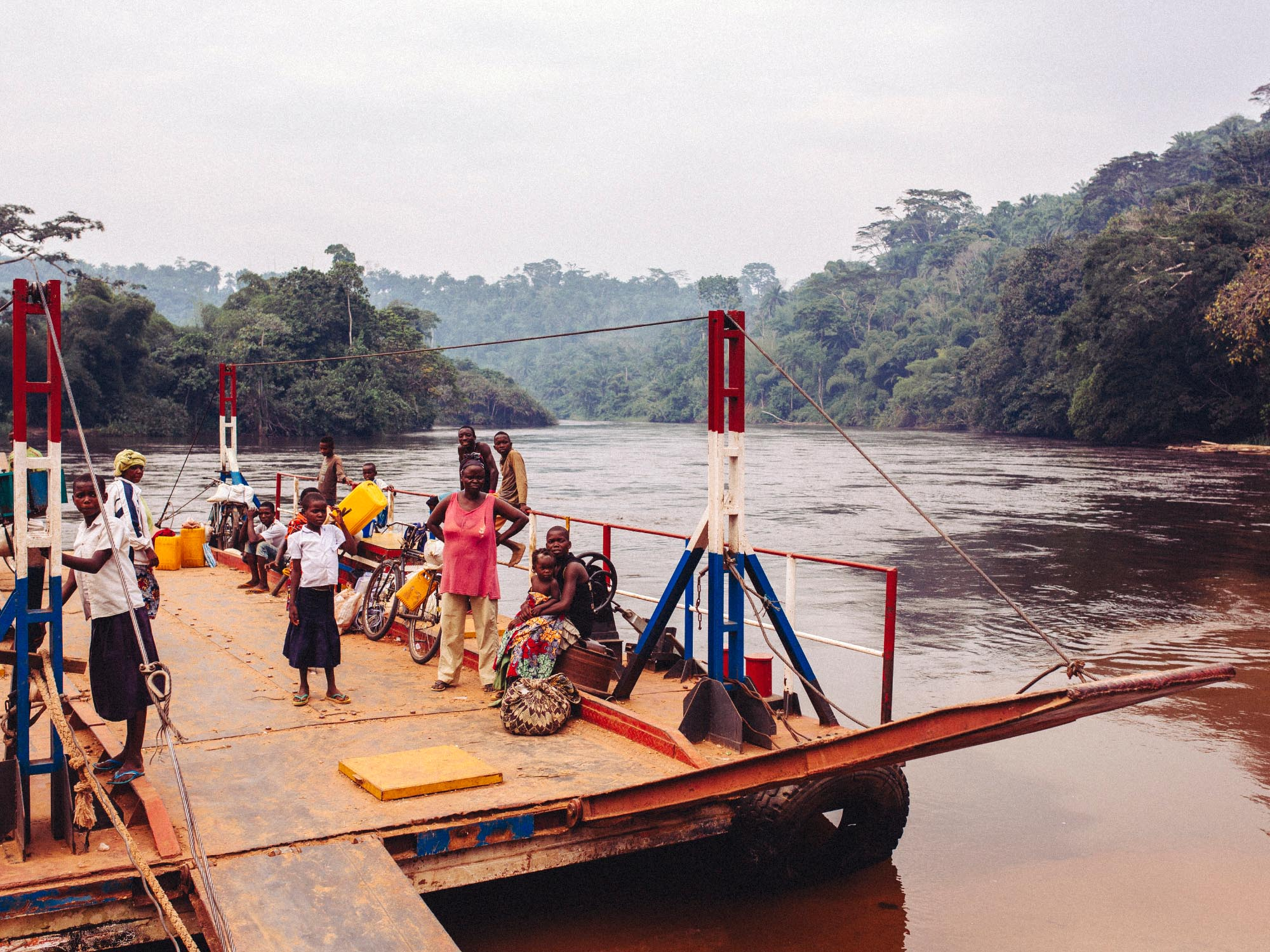 joris-hermans-visit-democratic-republic-of-congo-river.jpg
