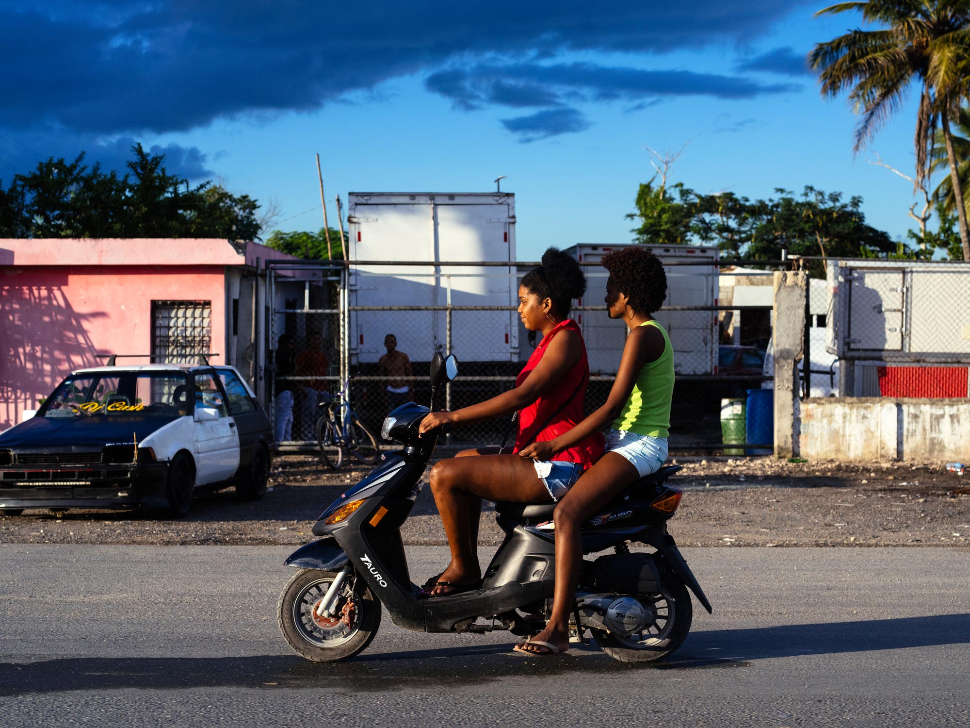 joris-hermans-photography-postcards-dominican-republic-girls.jpg