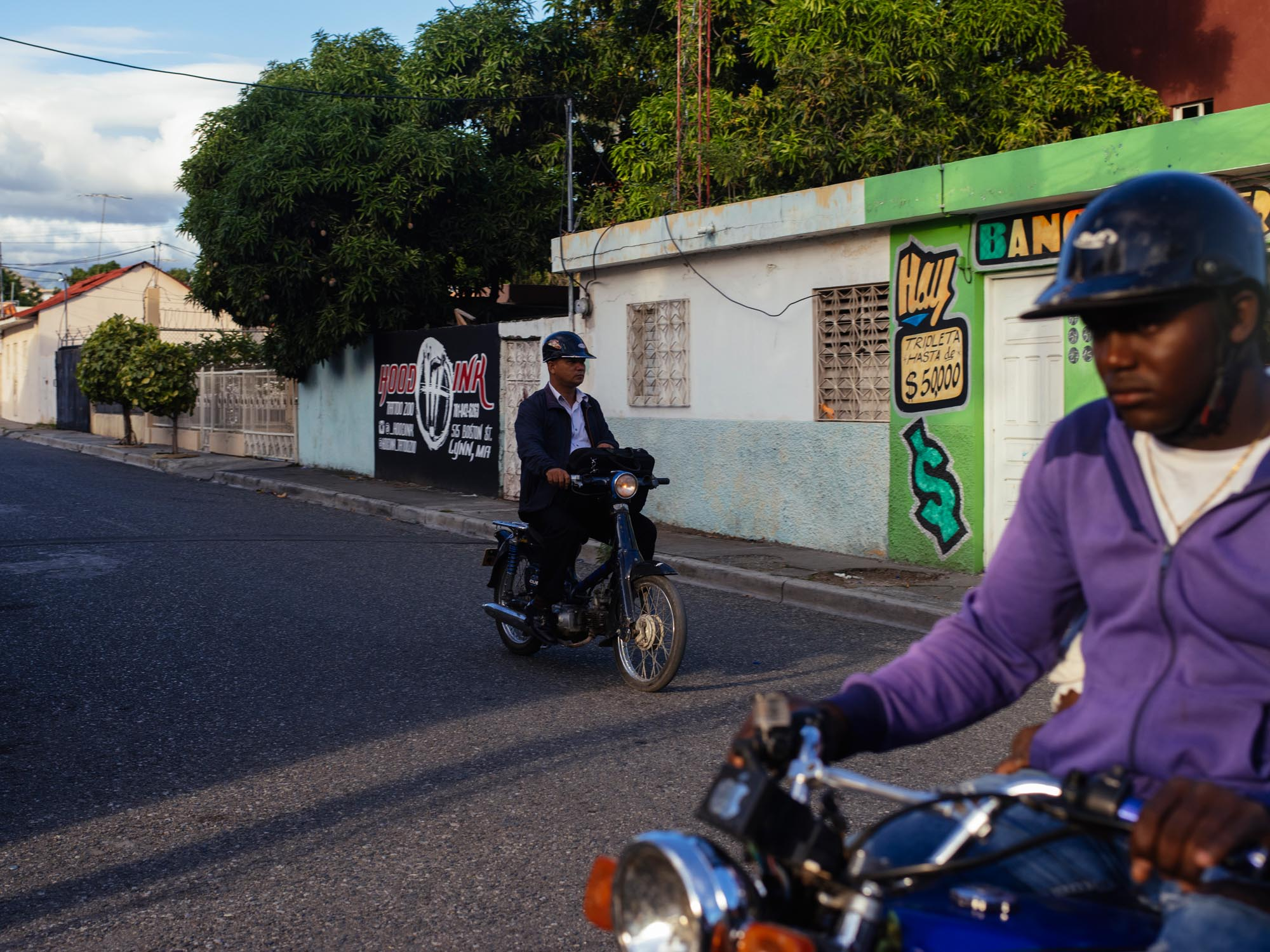 joris-hermans-photography-postcards-dominican-republic-motorcycles.jpg