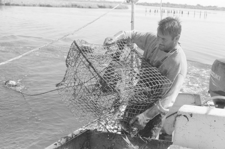 photography-feature-jonathon-moll-crab-fisherman-01.jpg